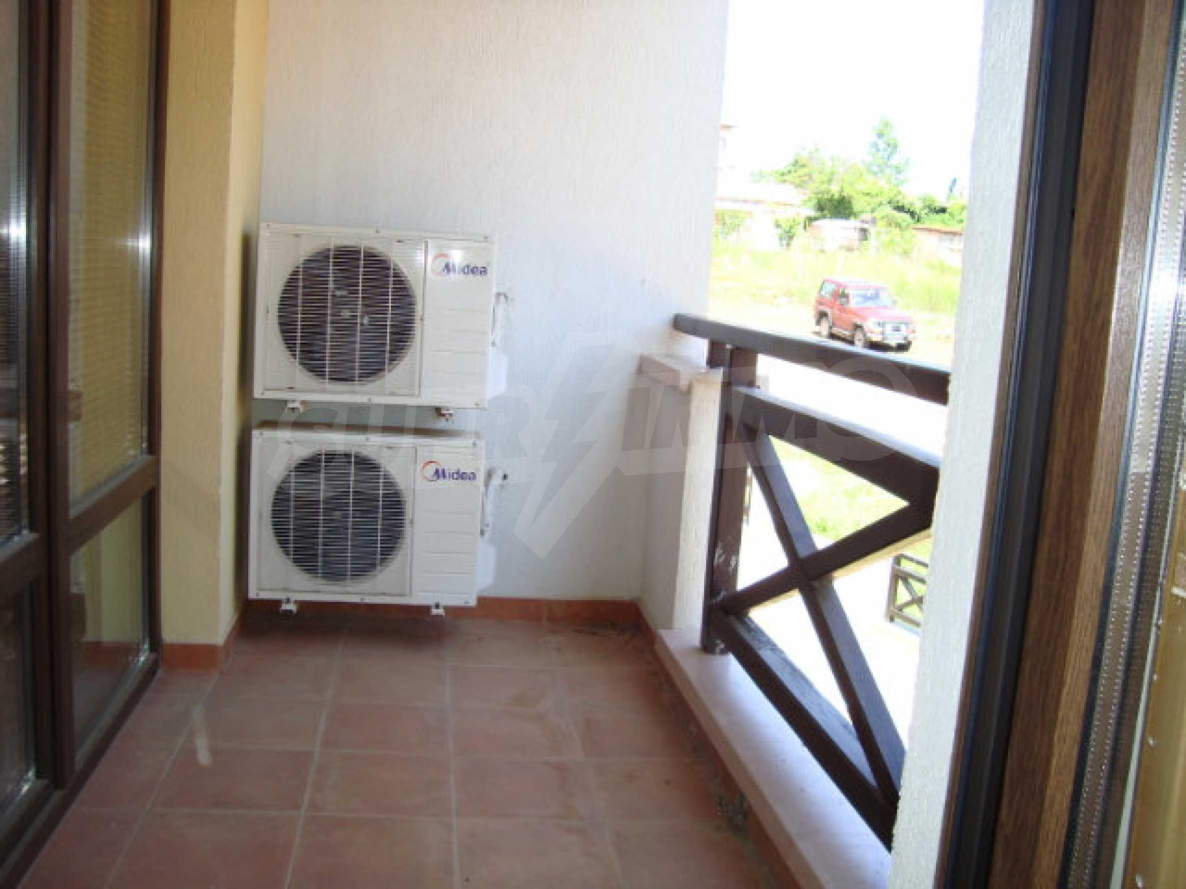 Zwei-Zimmer-Wohnung in Saint Nicholas Komplex in Chernomorets 19