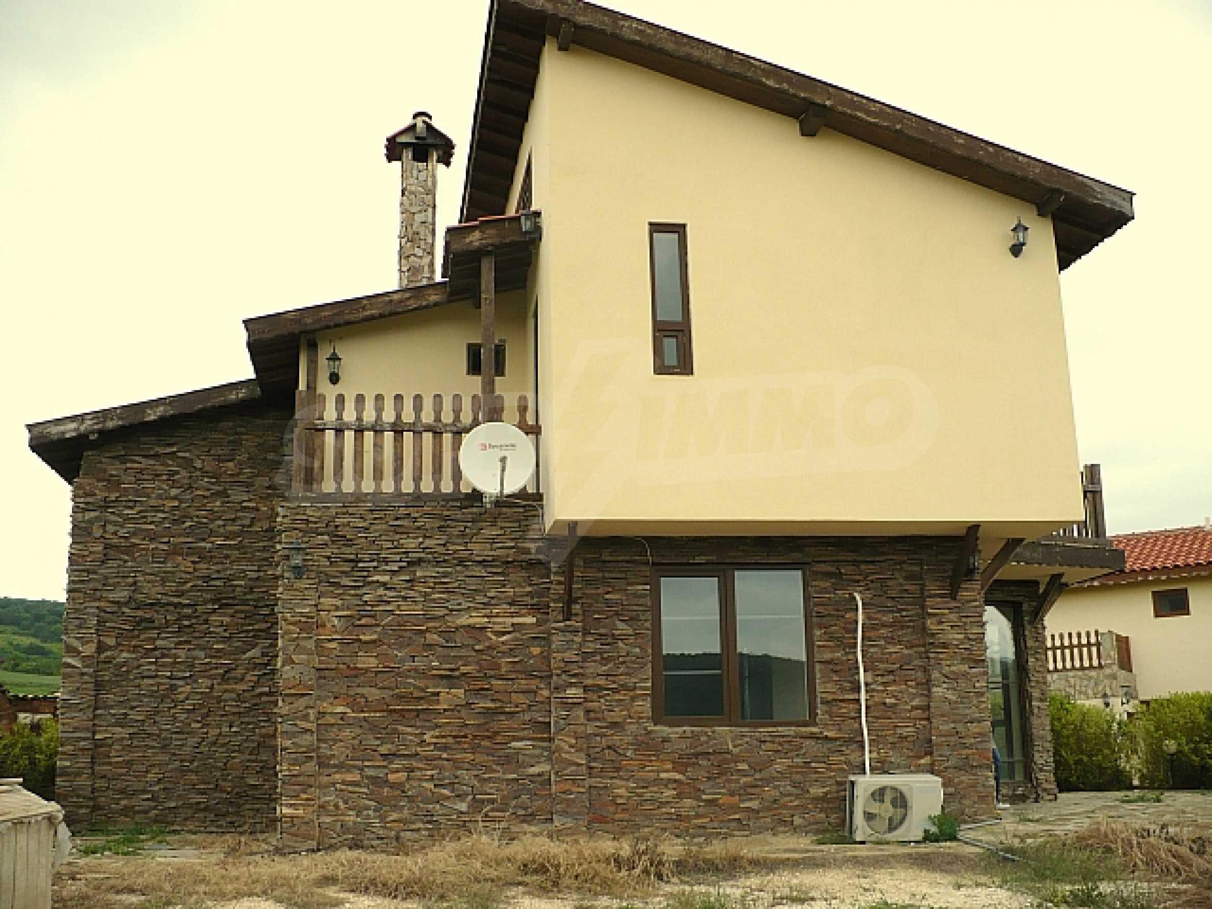 Zweistöckiges Haus, 5 km vom Strand von Albena Resort entfernt 2