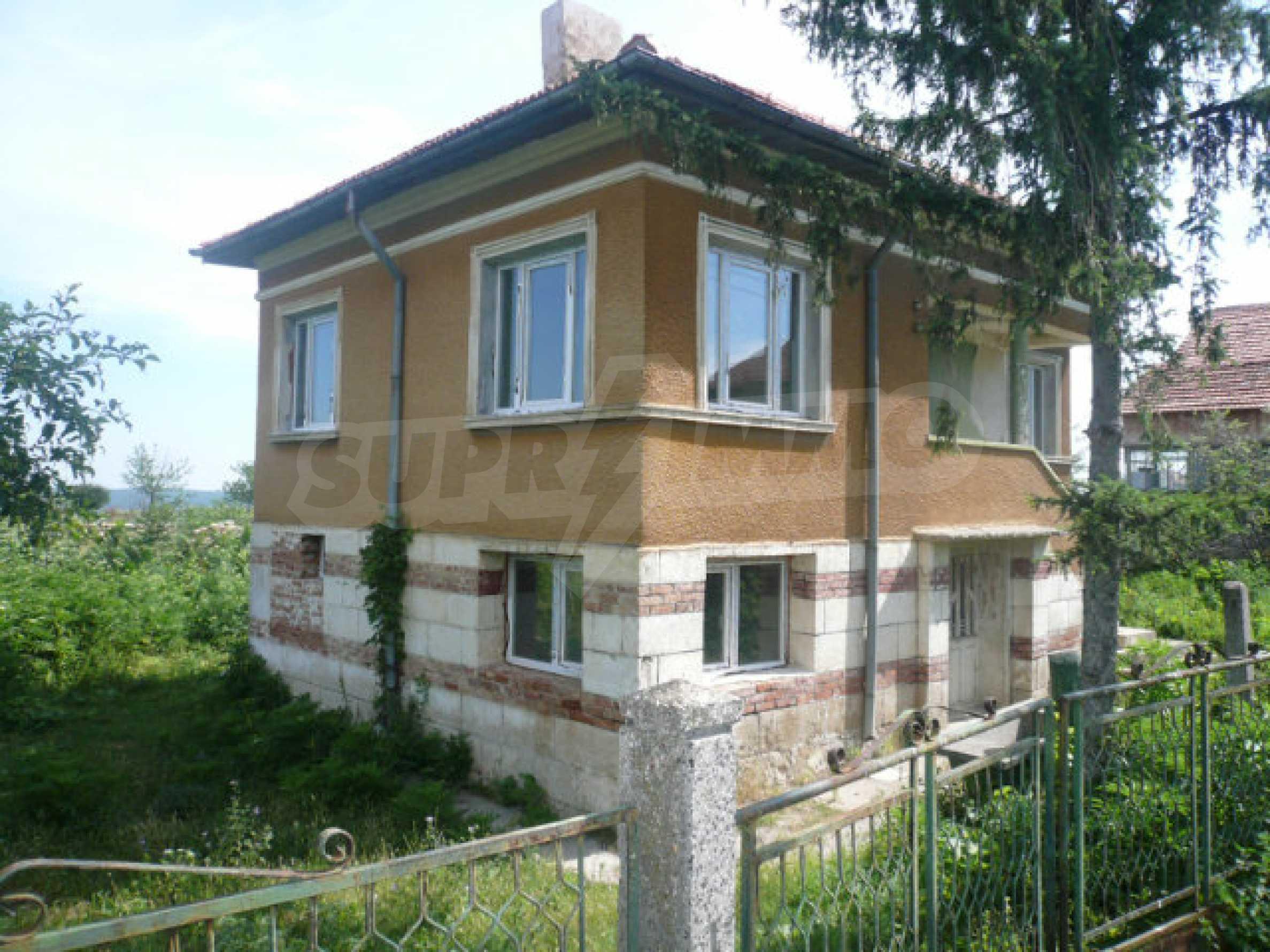 Geräumiges Haus mit Garten in einem ruhigen Dorf 2