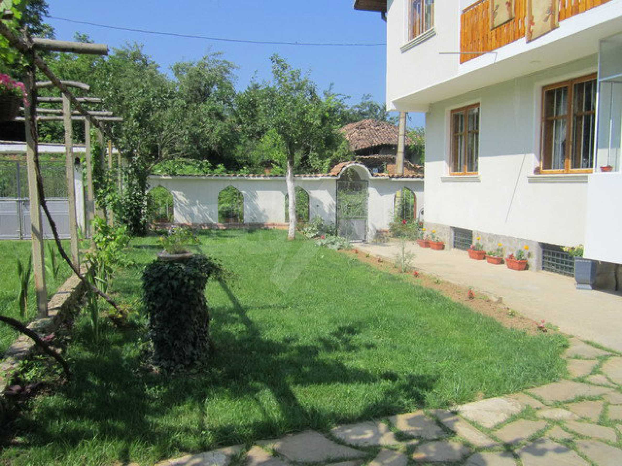 Spacious, fully furnished and extremely high quality property with well maintained garden in a village 20 km. from Veliko Tarnovo 9