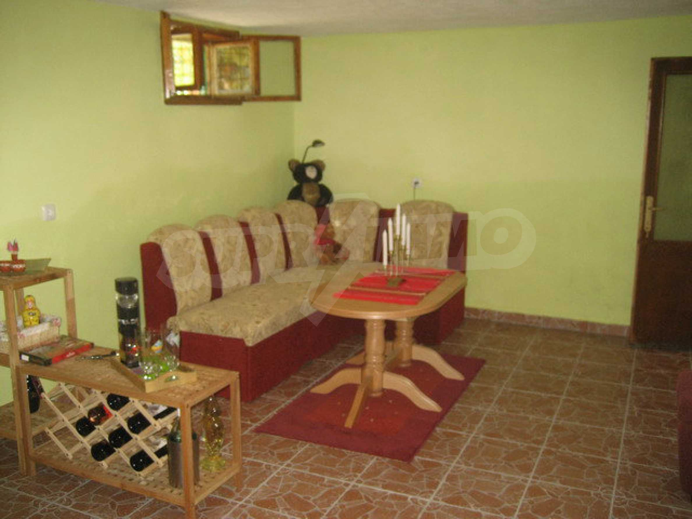 Spacious, fully furnished and extremely high quality property with well maintained garden in a village 20 km. from Veliko Tarnovo 38