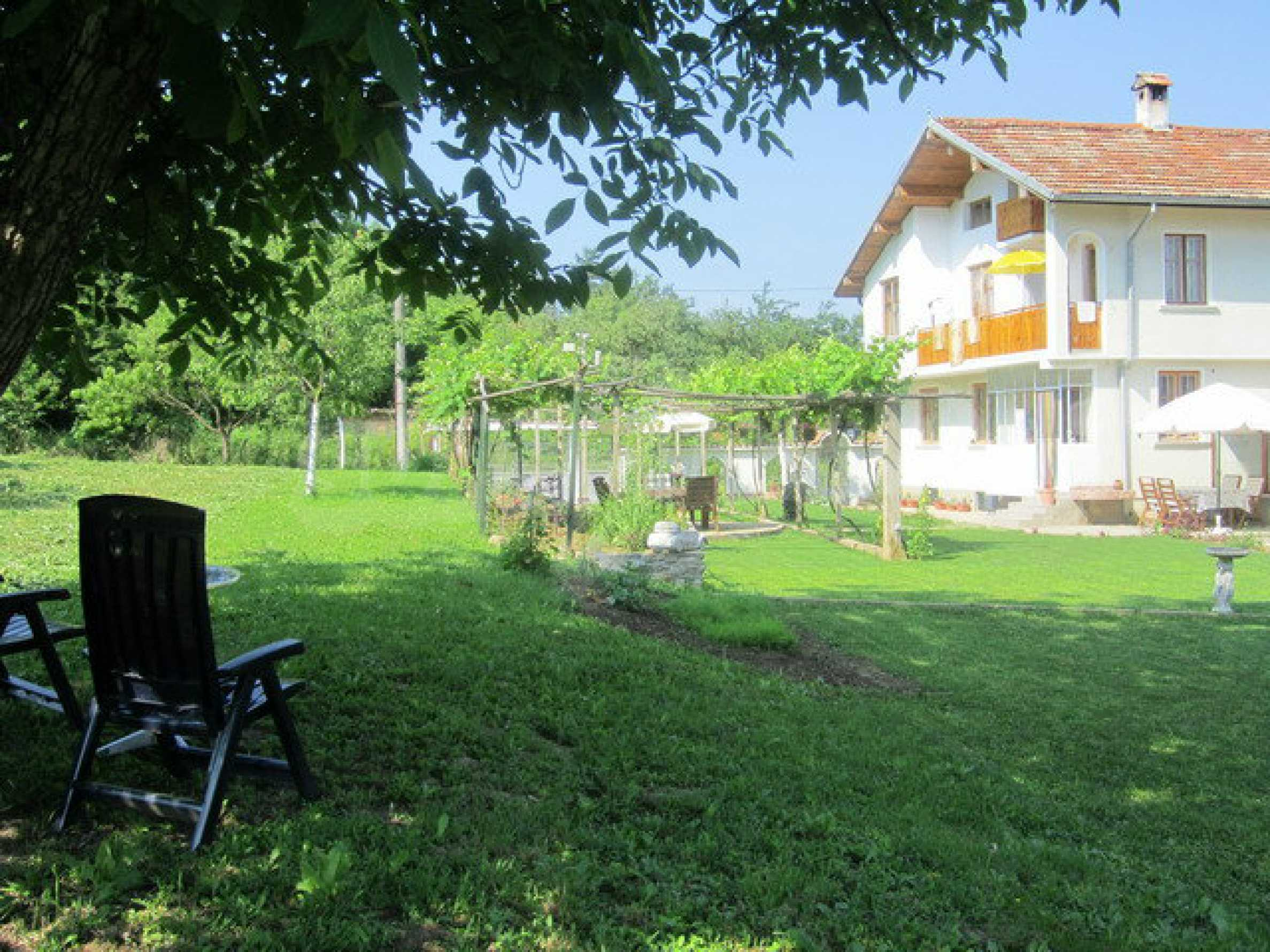 Spacious, fully furnished and extremely high quality property with well maintained garden in a village 20 km. from Veliko Tarnovo 5