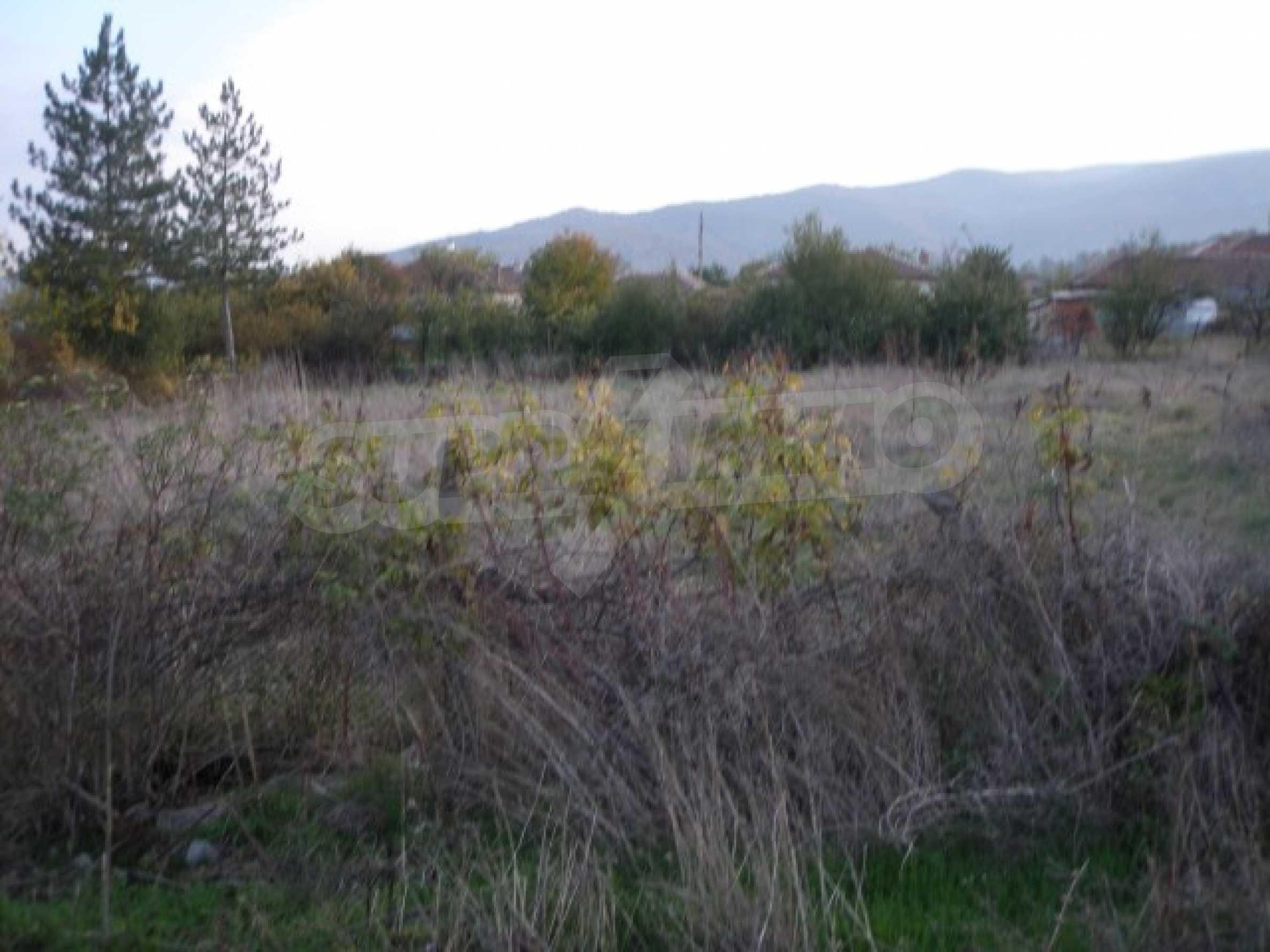 Großes Grundstück zum Verkauf, 300 m vom Ivaylovgrad Damm 1