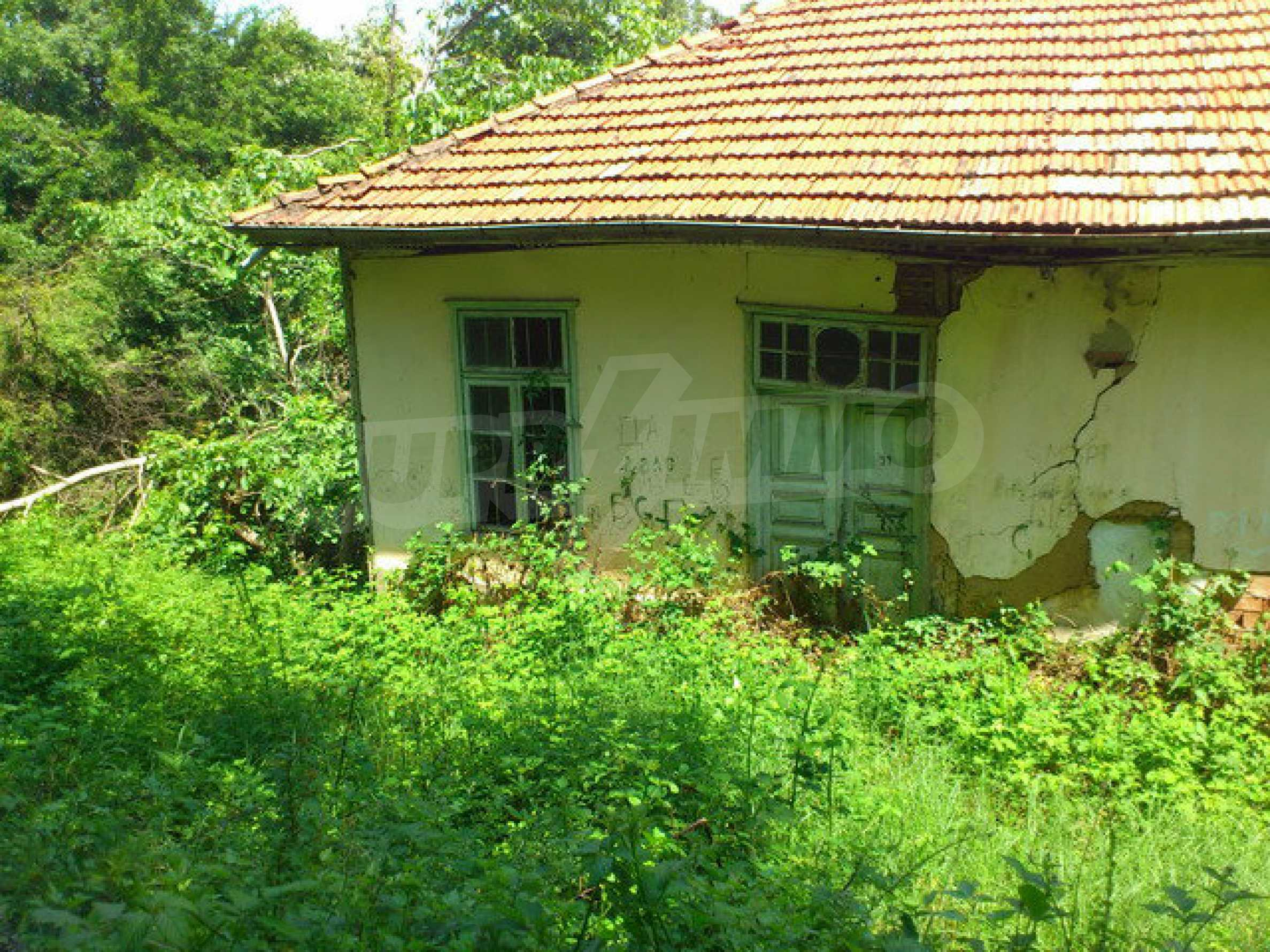 Former school with yard in a small village in close proximity to the lovely town Dryanovo 3