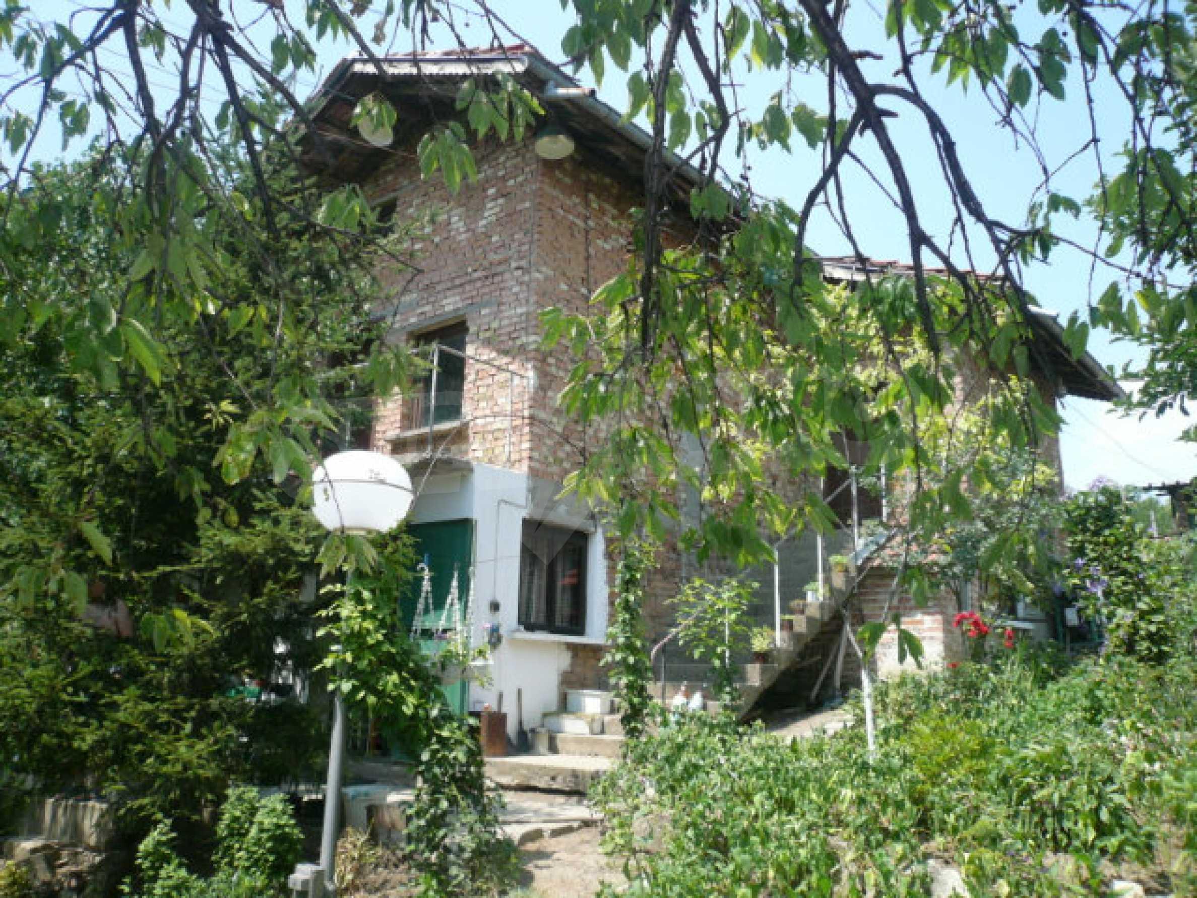 Zweistöckige Villa in einem ruhigen Dorf in der Nähe von Vidin 1