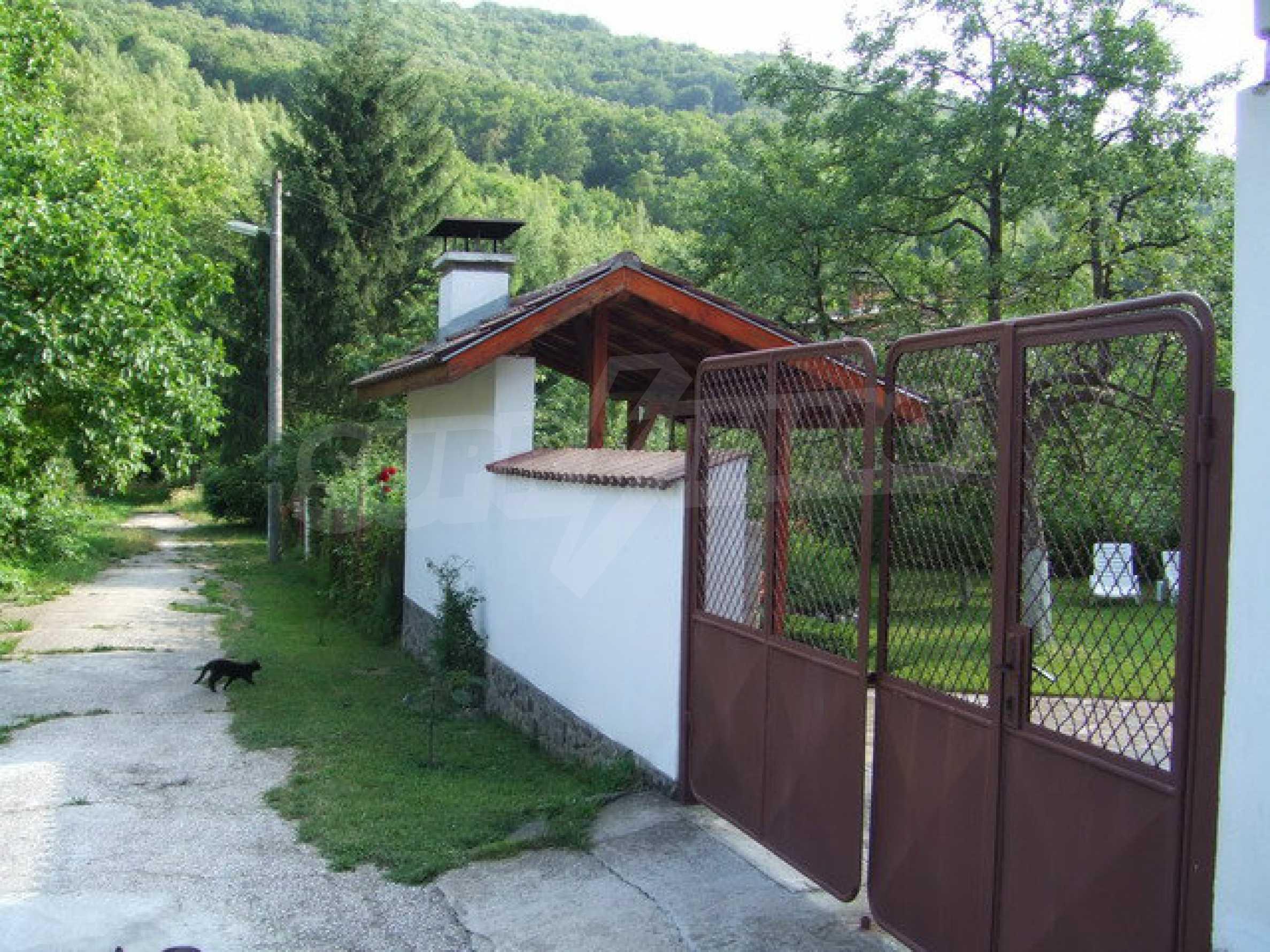 Voll möblierte und ausgestattete Etage eines Hauses mit Garten in einem Dorf 8 km. aus Trjawna 9