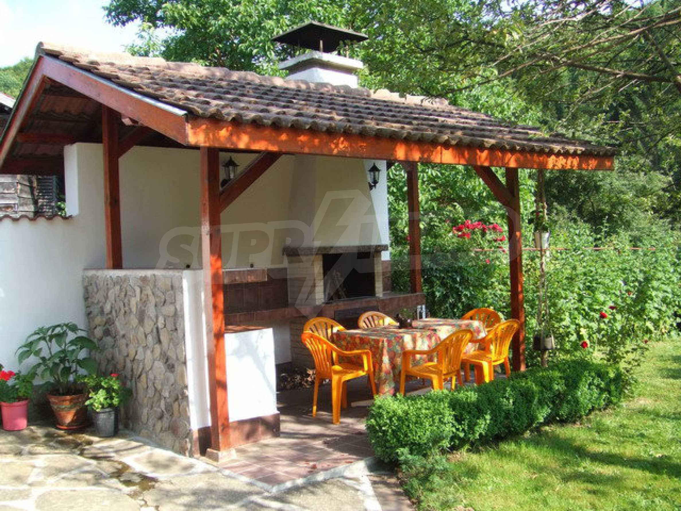 Voll möblierte und ausgestattete Etage eines Hauses mit Garten in einem Dorf 8 km. aus Trjawna 10