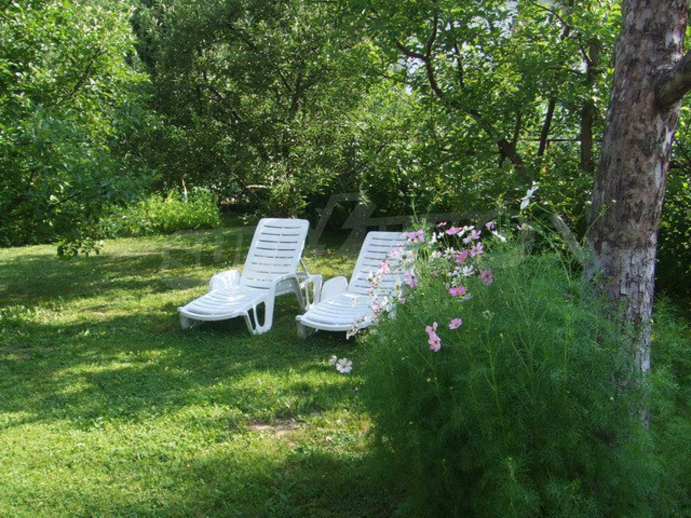 Voll möblierte und ausgestattete Etage eines Hauses mit Garten in einem Dorf 8 km. aus Trjawna 12