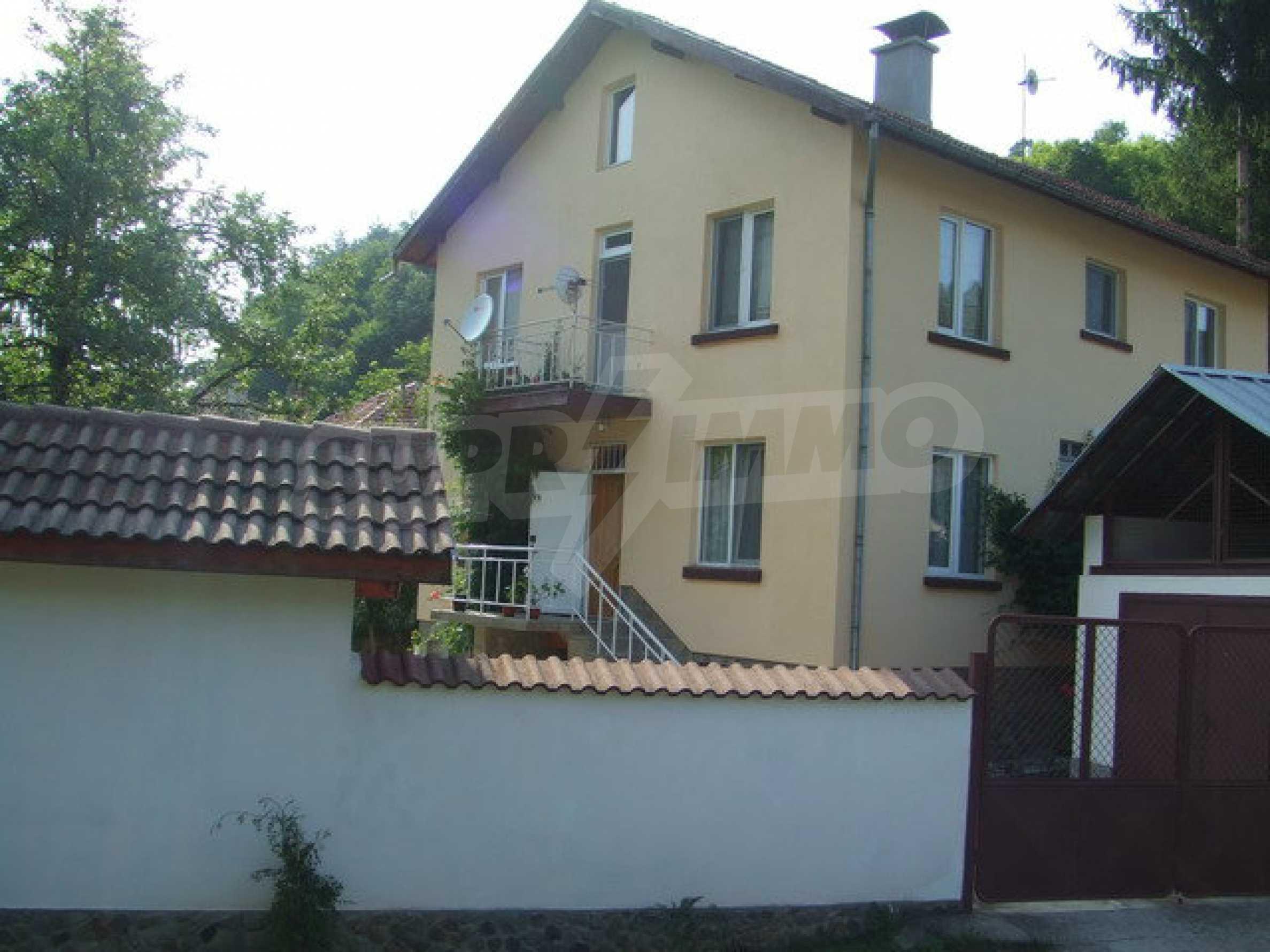 Voll möblierte und ausgestattete Etage eines Hauses mit Garten in einem Dorf 8 km. aus Trjawna 2