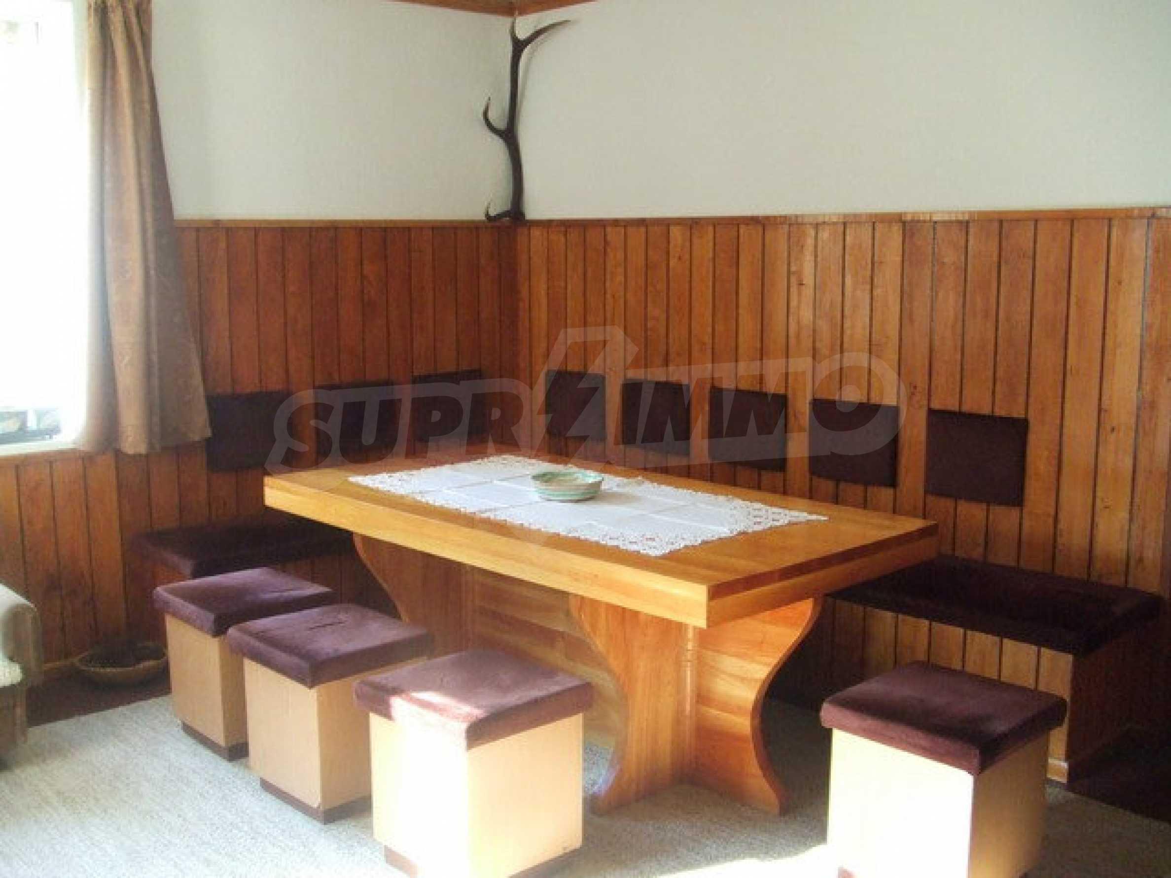 Voll möblierte und ausgestattete Etage eines Hauses mit Garten in einem Dorf 8 km. aus Trjawna 5