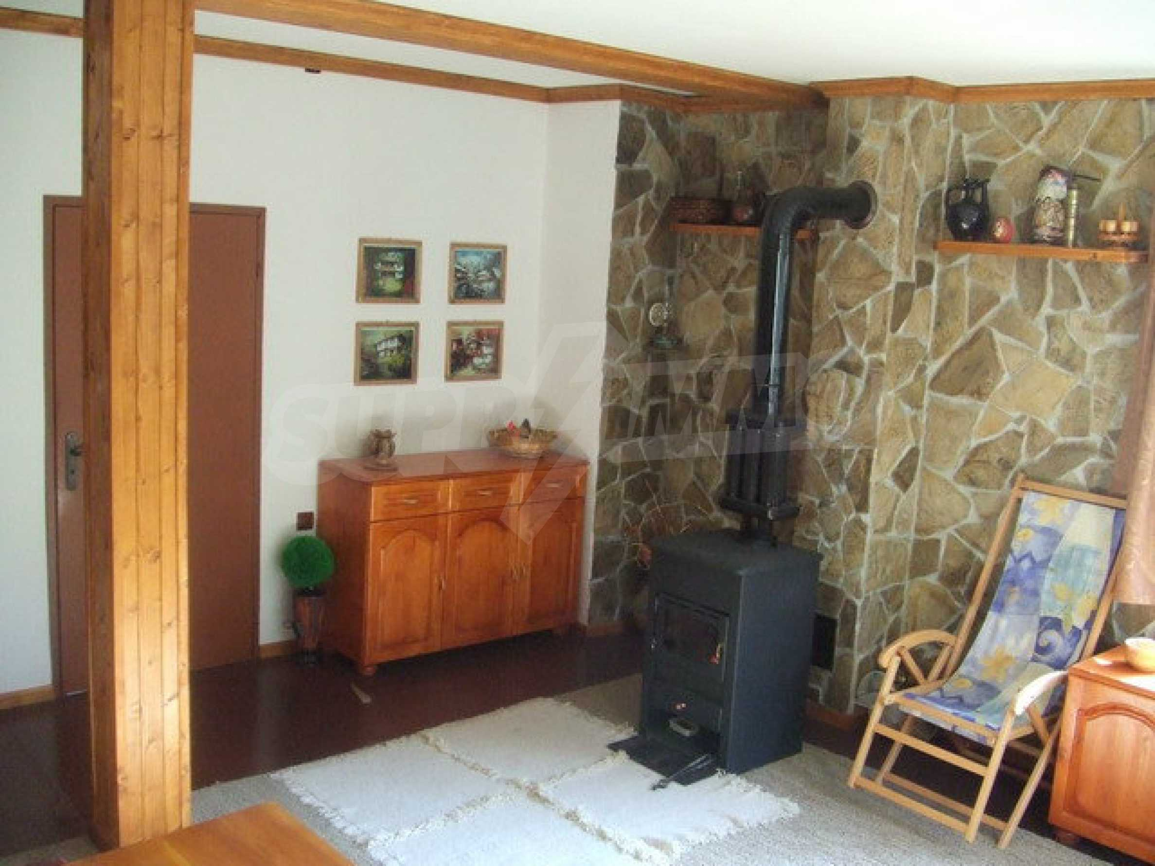 Voll möblierte und ausgestattete Etage eines Hauses mit Garten in einem Dorf 8 km. aus Trjawna 6