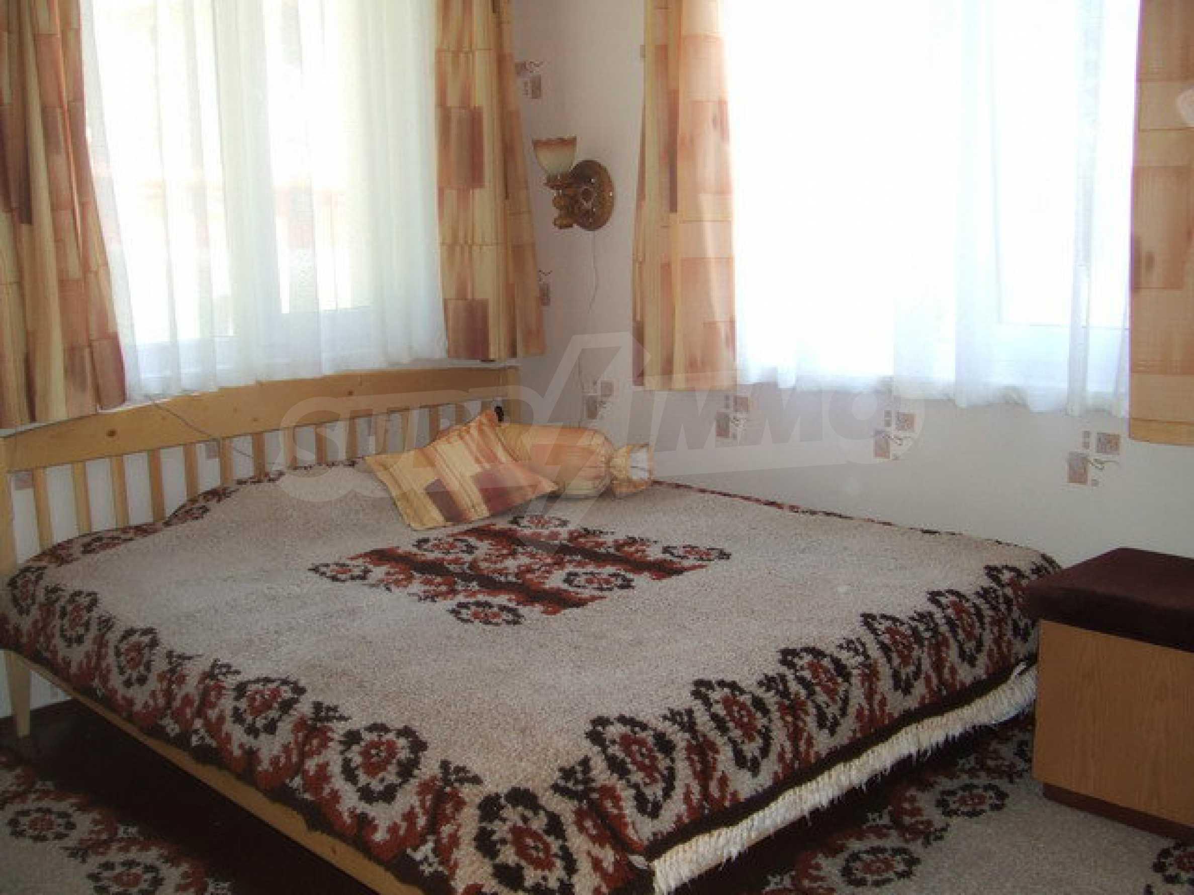 Voll möblierte und ausgestattete Etage eines Hauses mit Garten in einem Dorf 8 km. aus Trjawna 7