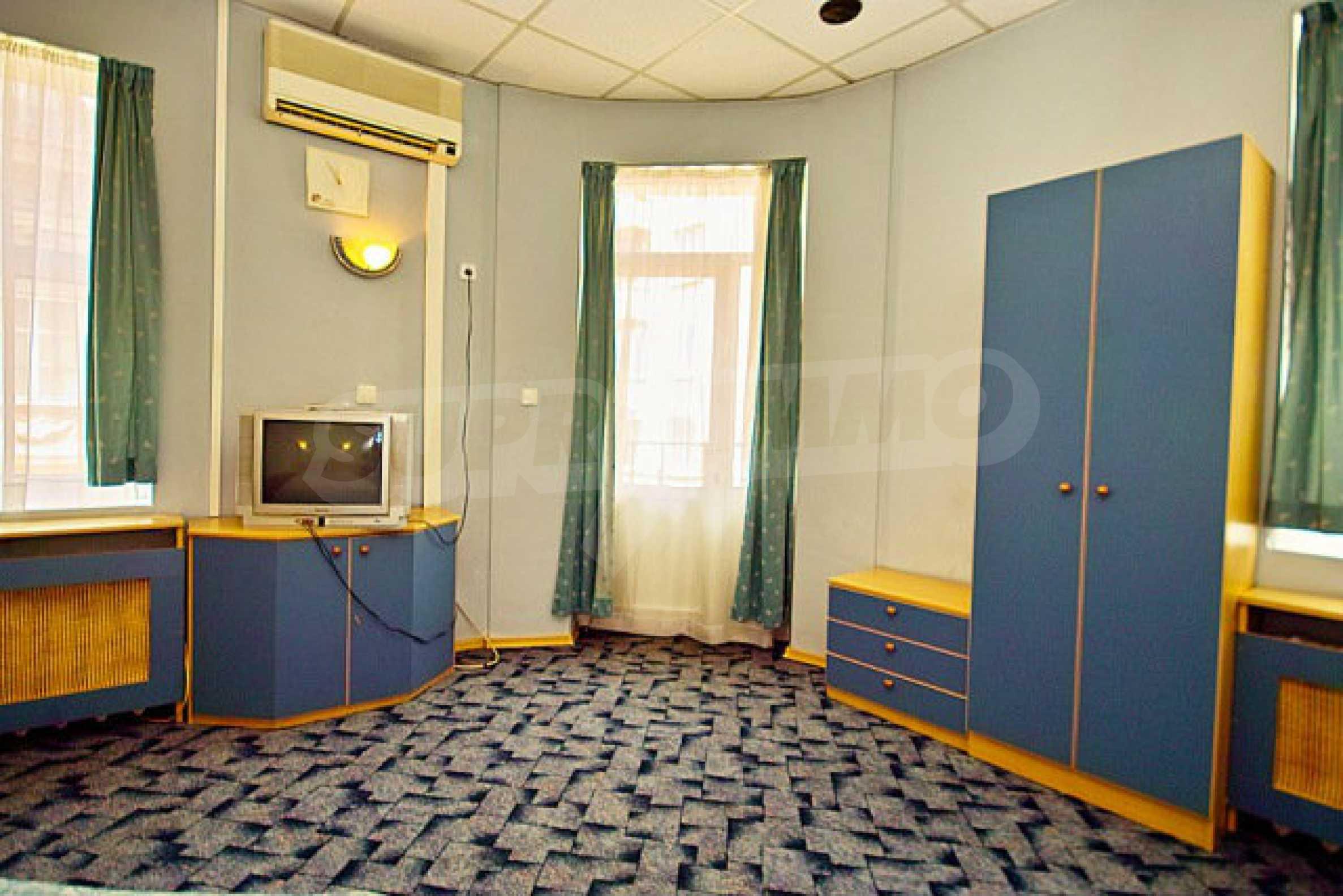 Hotel zum Verkauf im Zentrum von Sofia 2