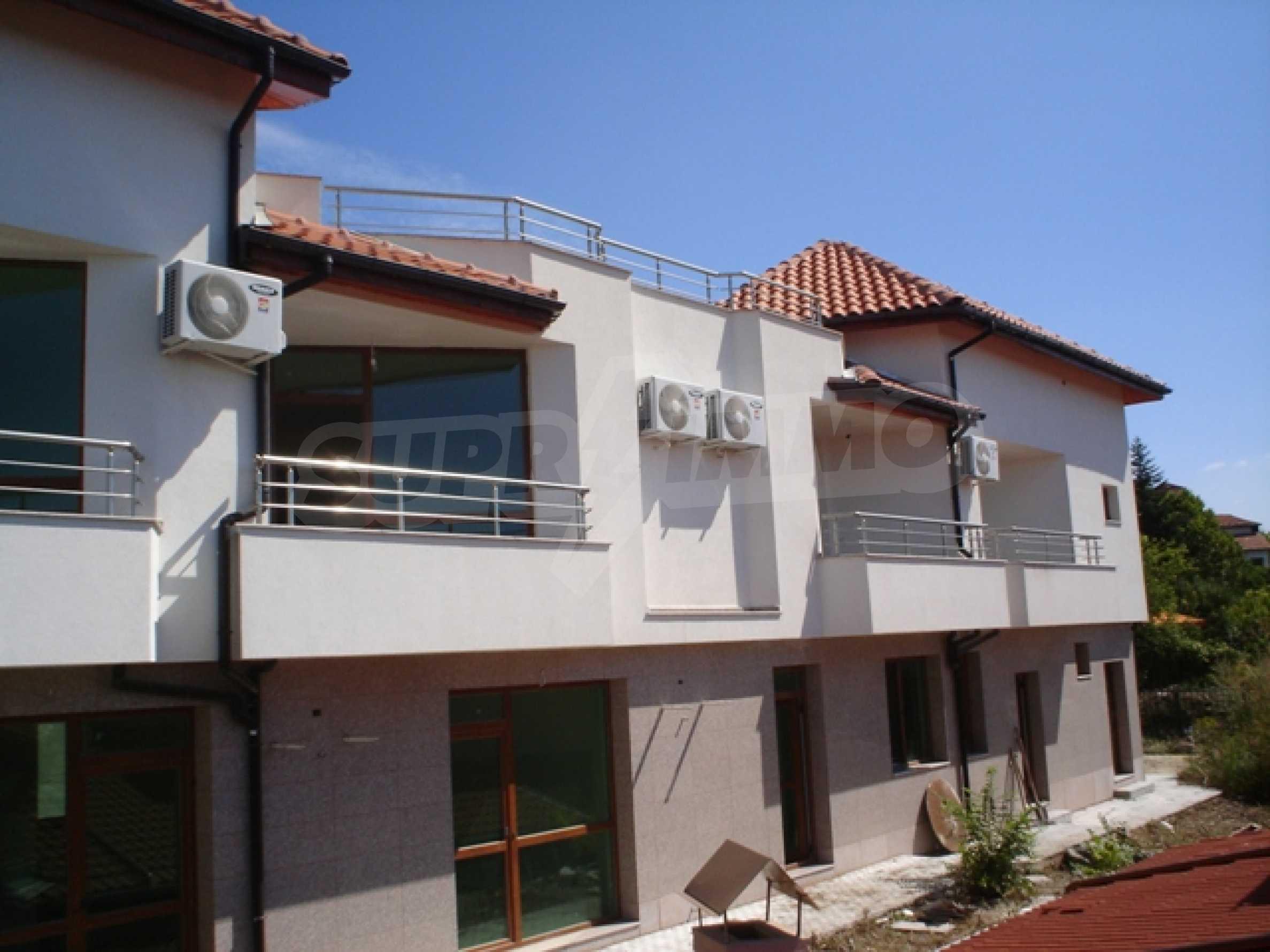 Haus mit zwei Türmen