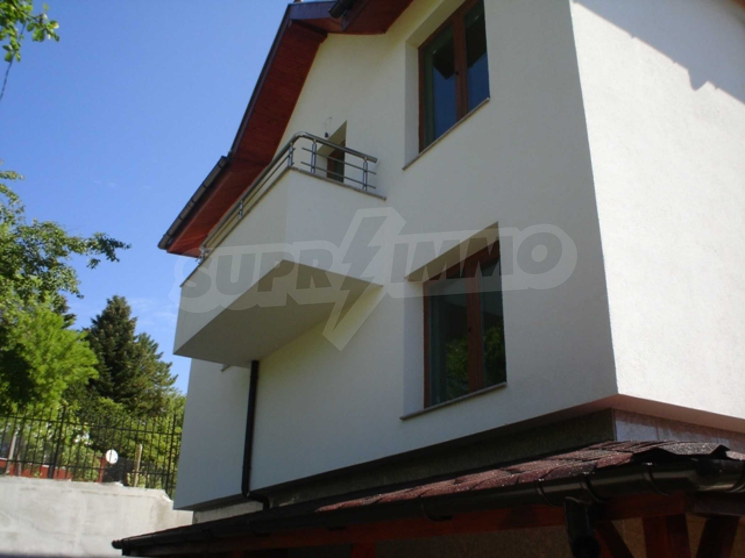 Haus mit zwei Türmen 3