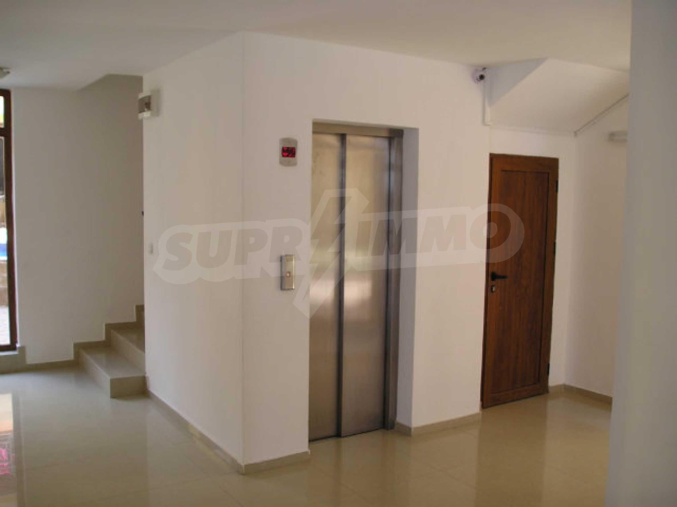 Ein-Zimmer-Wohnung zum Verkauf in Victor Komplex in Saint Vlas 16