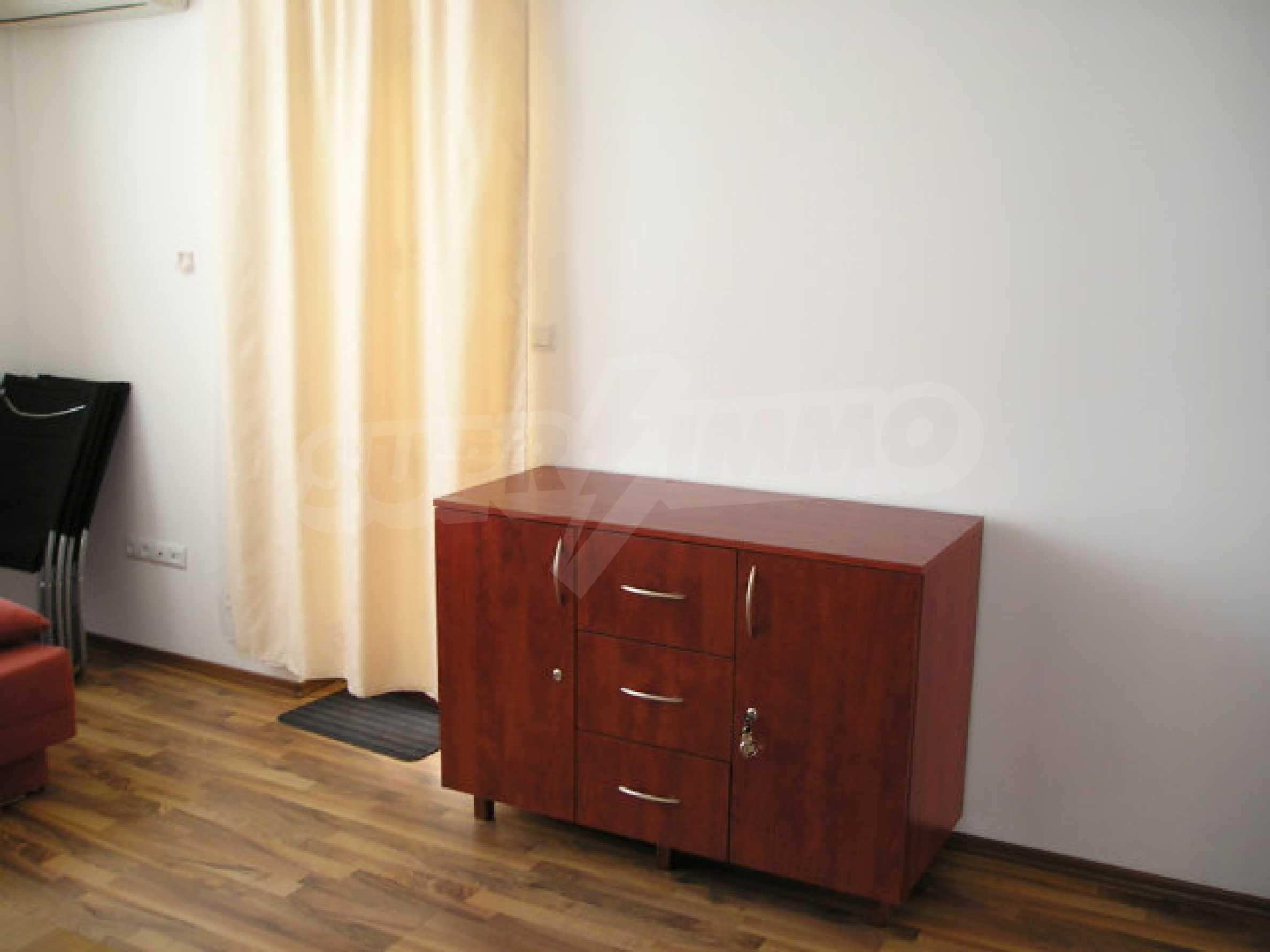 Ein-Zimmer-Wohnung zum Verkauf in Victor Komplex in Saint Vlas 21