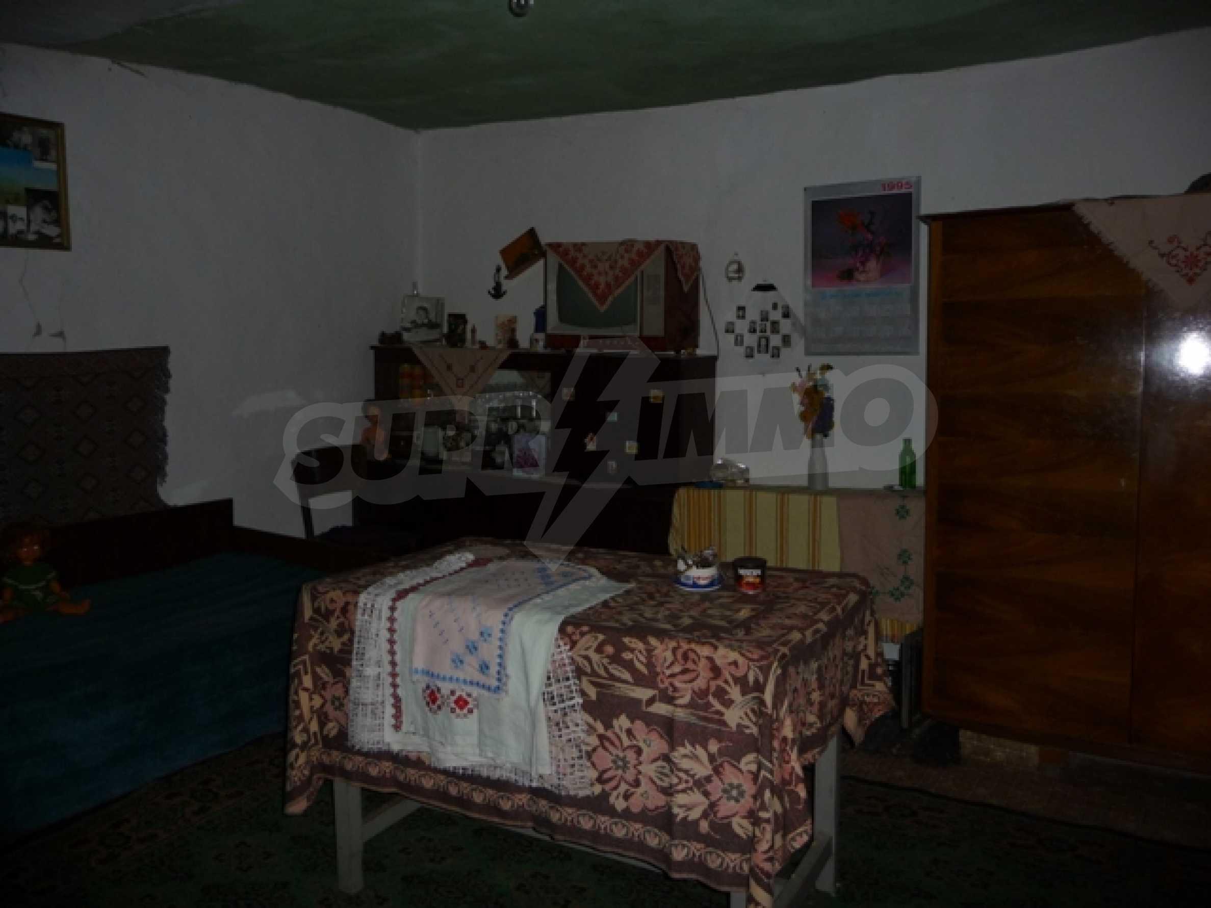 Haus im Dorf Mogila 11
