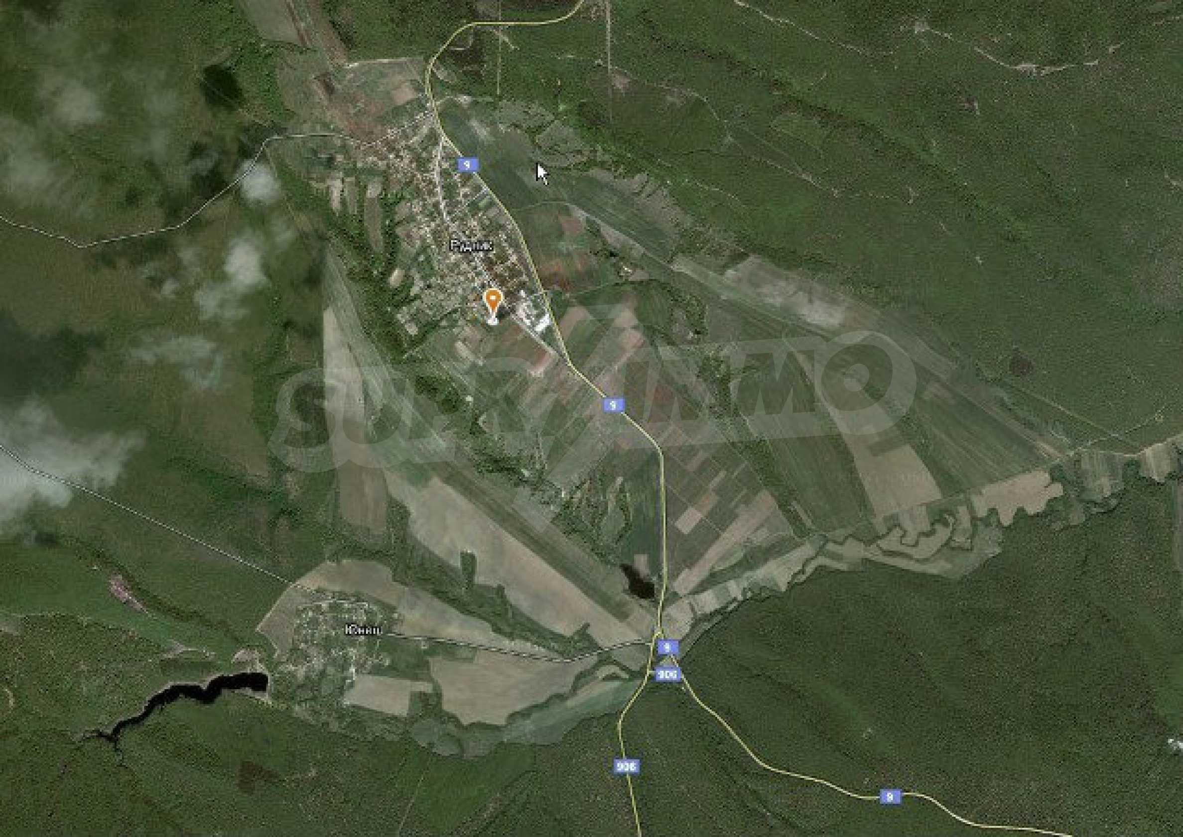 Geregeltes Land im Dorf Rudnik 22