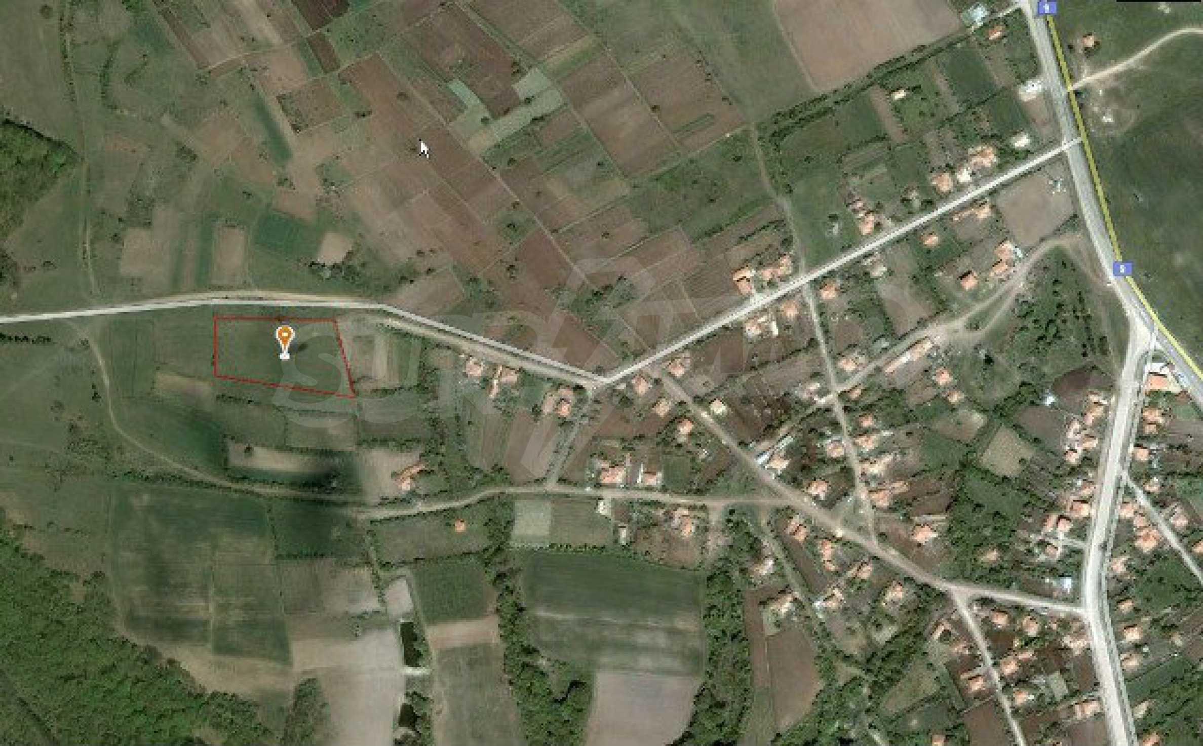Geregeltes Land im Dorf Rudnik 33