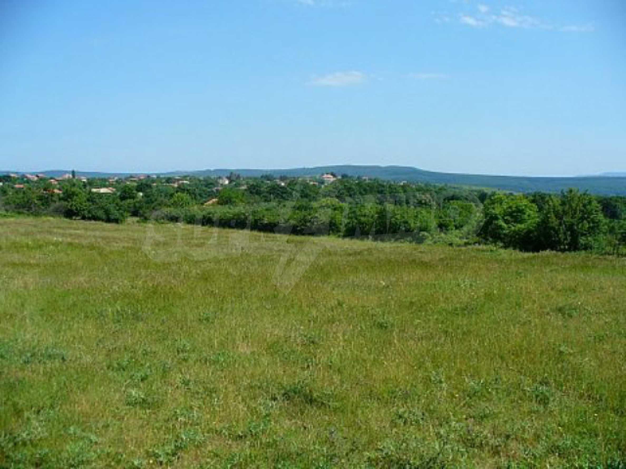 Geregeltes Land im Dorf Rudnik 36