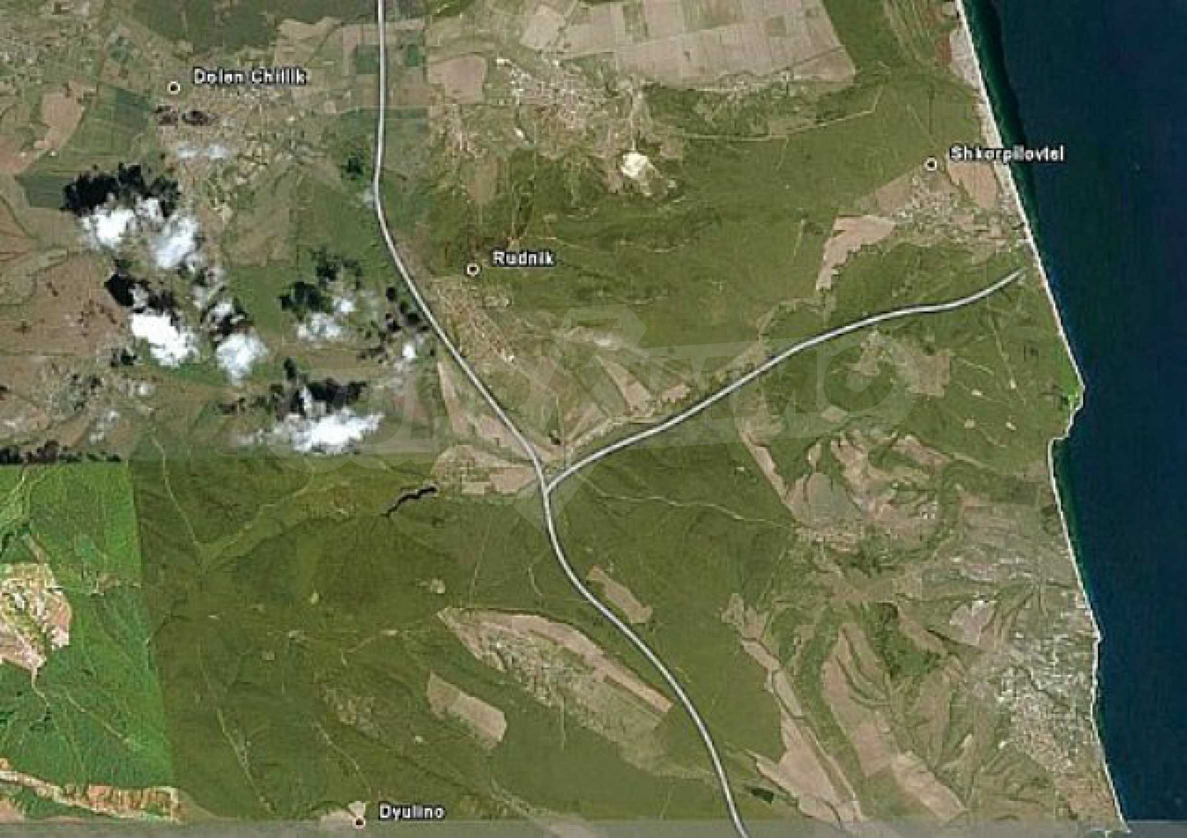 Geregeltes Land im Dorf Rudnik 8