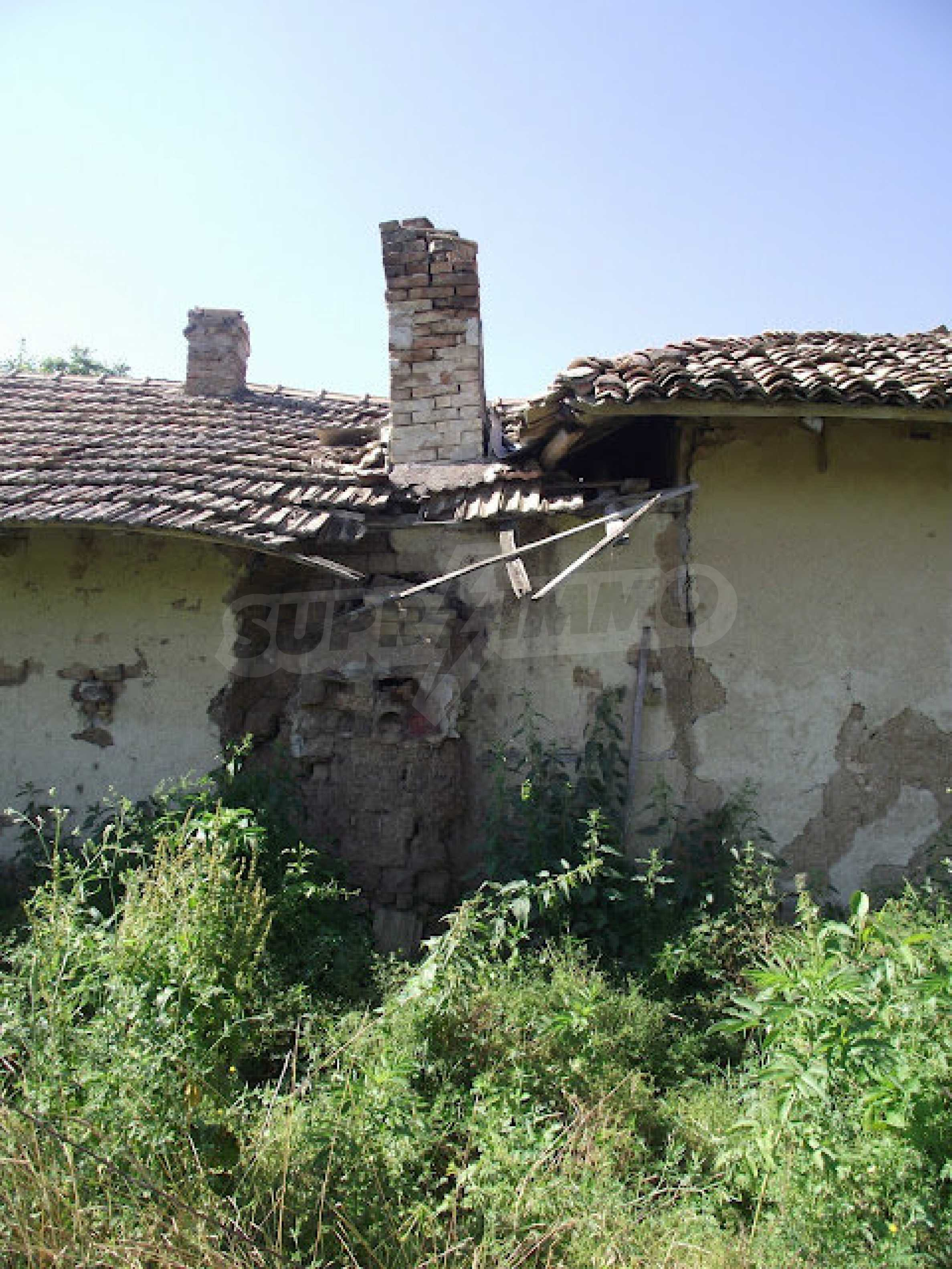 Zwei Immobilien in einem Dorf in der Nähe von Popovo 12