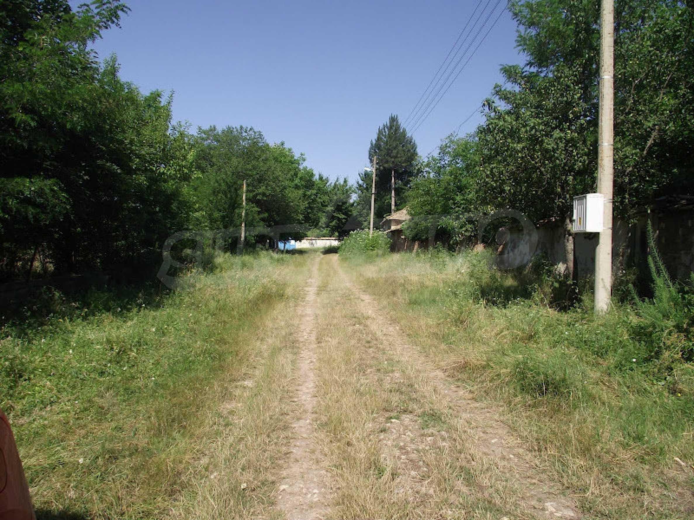 Zwei Immobilien in einem Dorf in der Nähe von Popovo 14