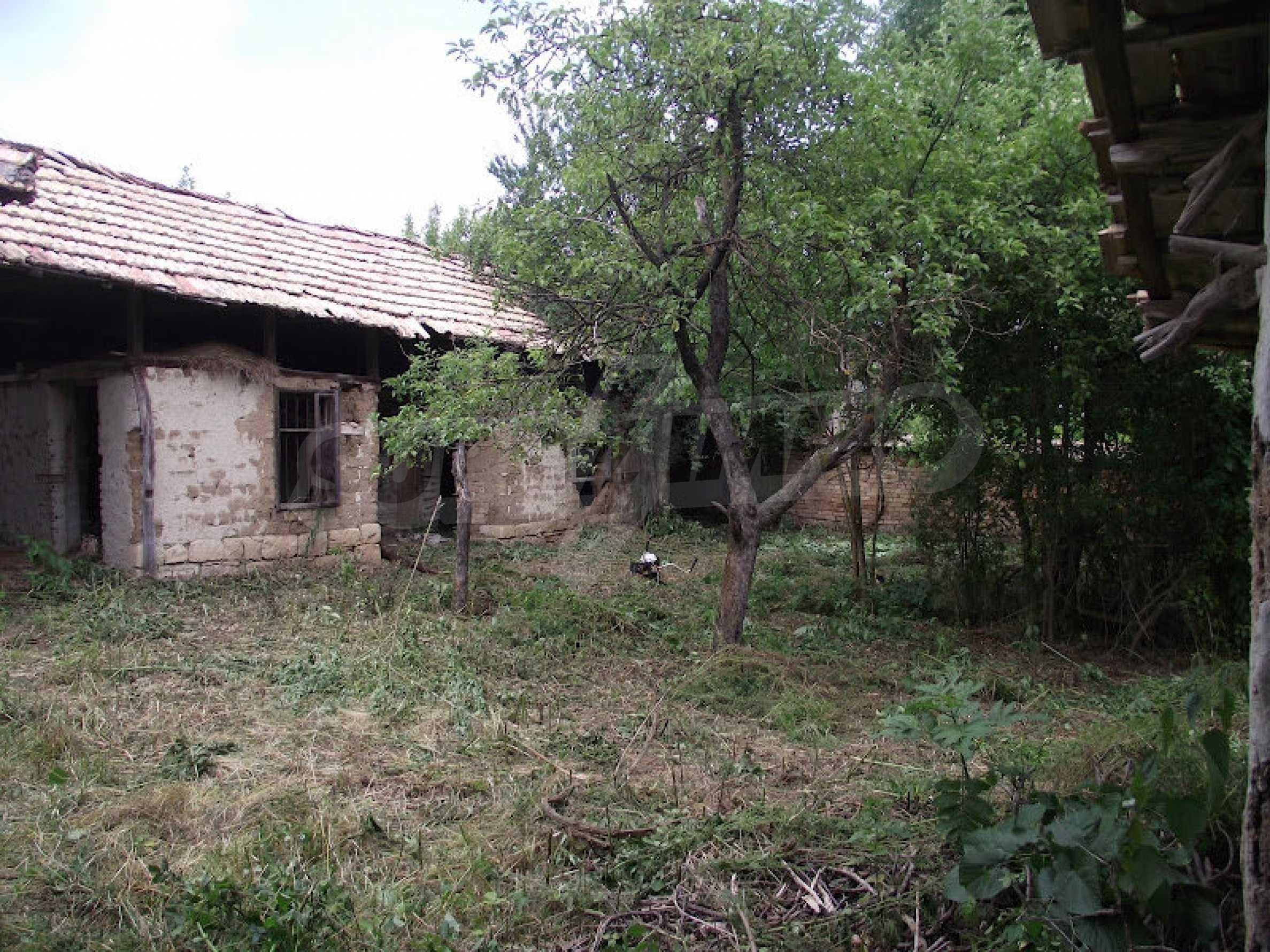 Zwei Immobilien in einem Dorf in der Nähe von Popovo 17