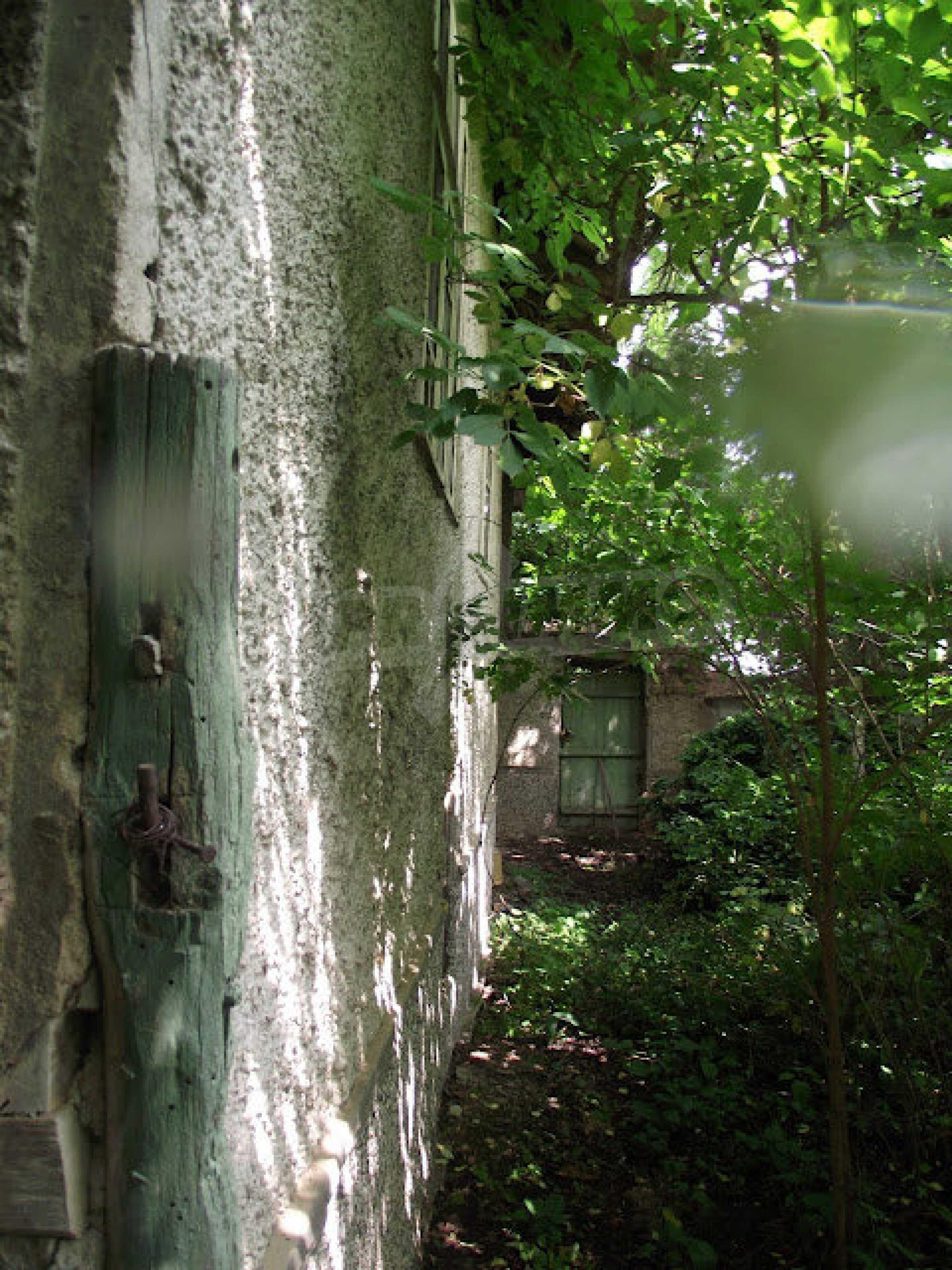 Zwei Immobilien in einem Dorf in der Nähe von Popovo 26