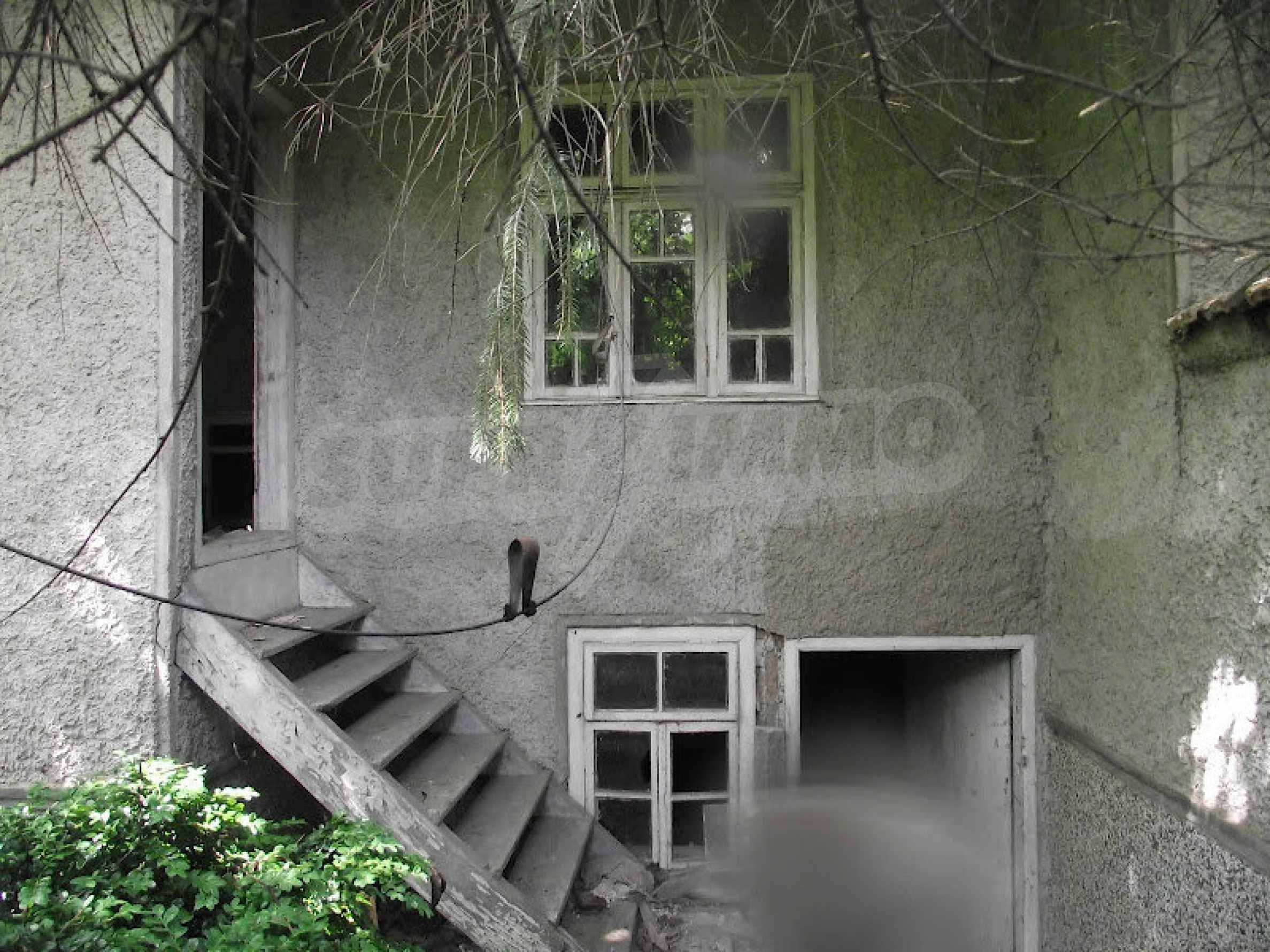 Zwei Immobilien in einem Dorf in der Nähe von Popovo 2