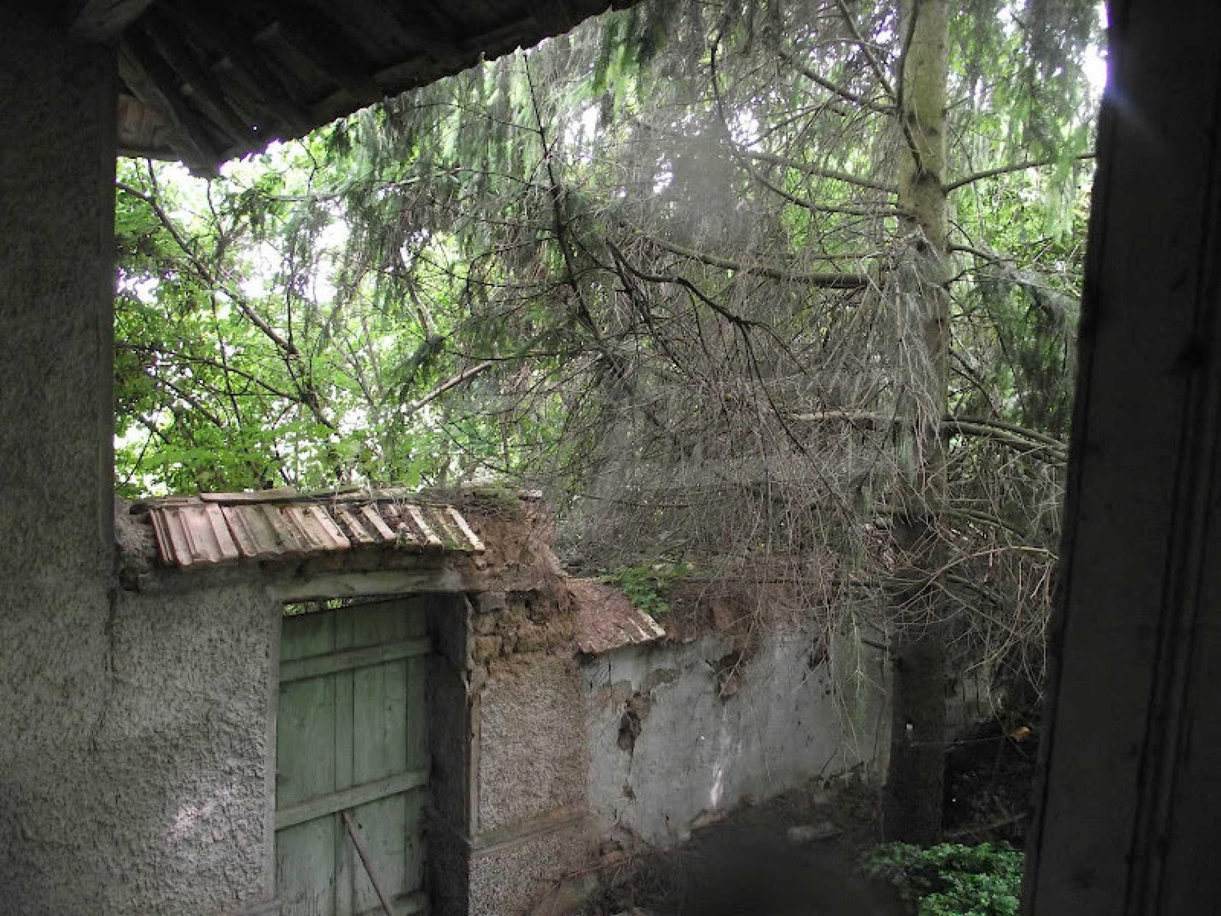 Zwei Immobilien in einem Dorf in der Nähe von Popovo 32