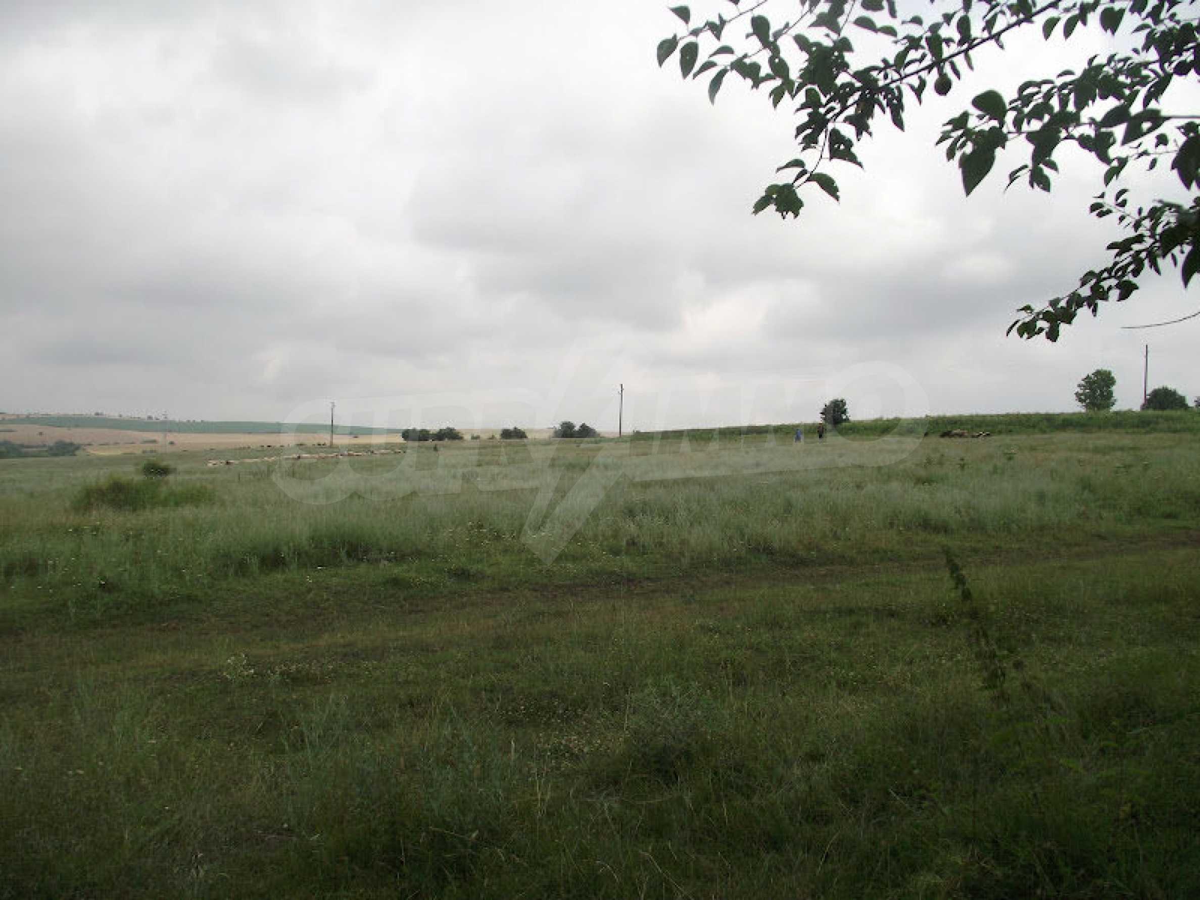 Zwei Immobilien in einem Dorf in der Nähe von Popovo 34