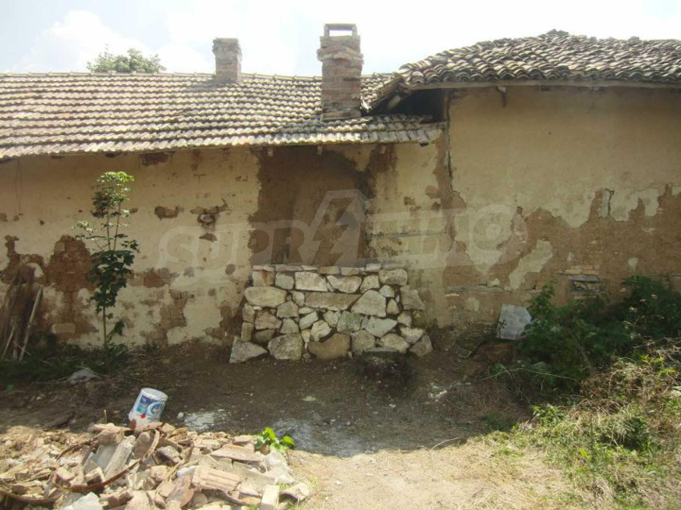 Zwei Immobilien in einem Dorf in der Nähe von Popovo 4