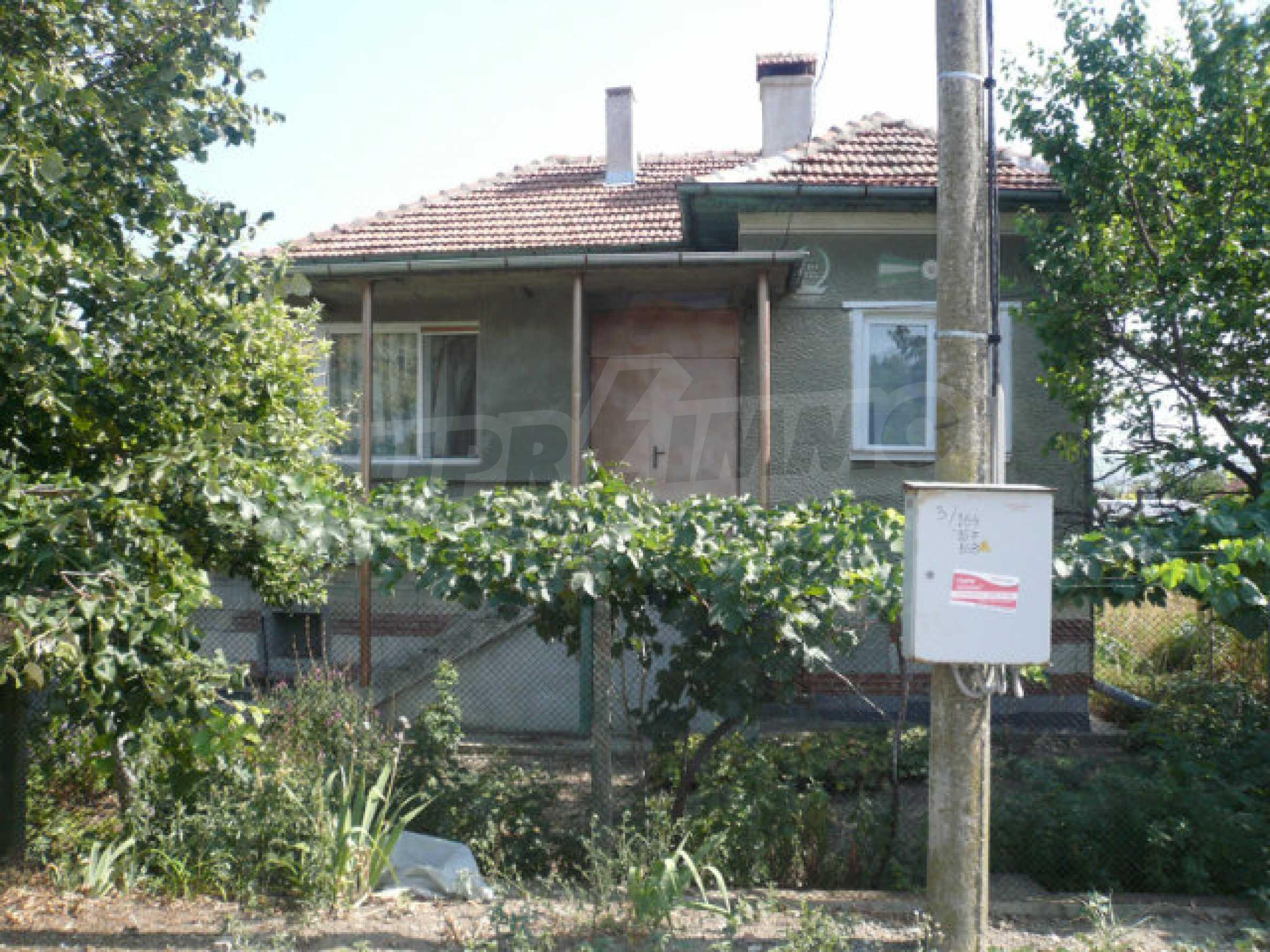 Schönes und solides zweistöckiges Landhaus in der Nähe von Vidin 1