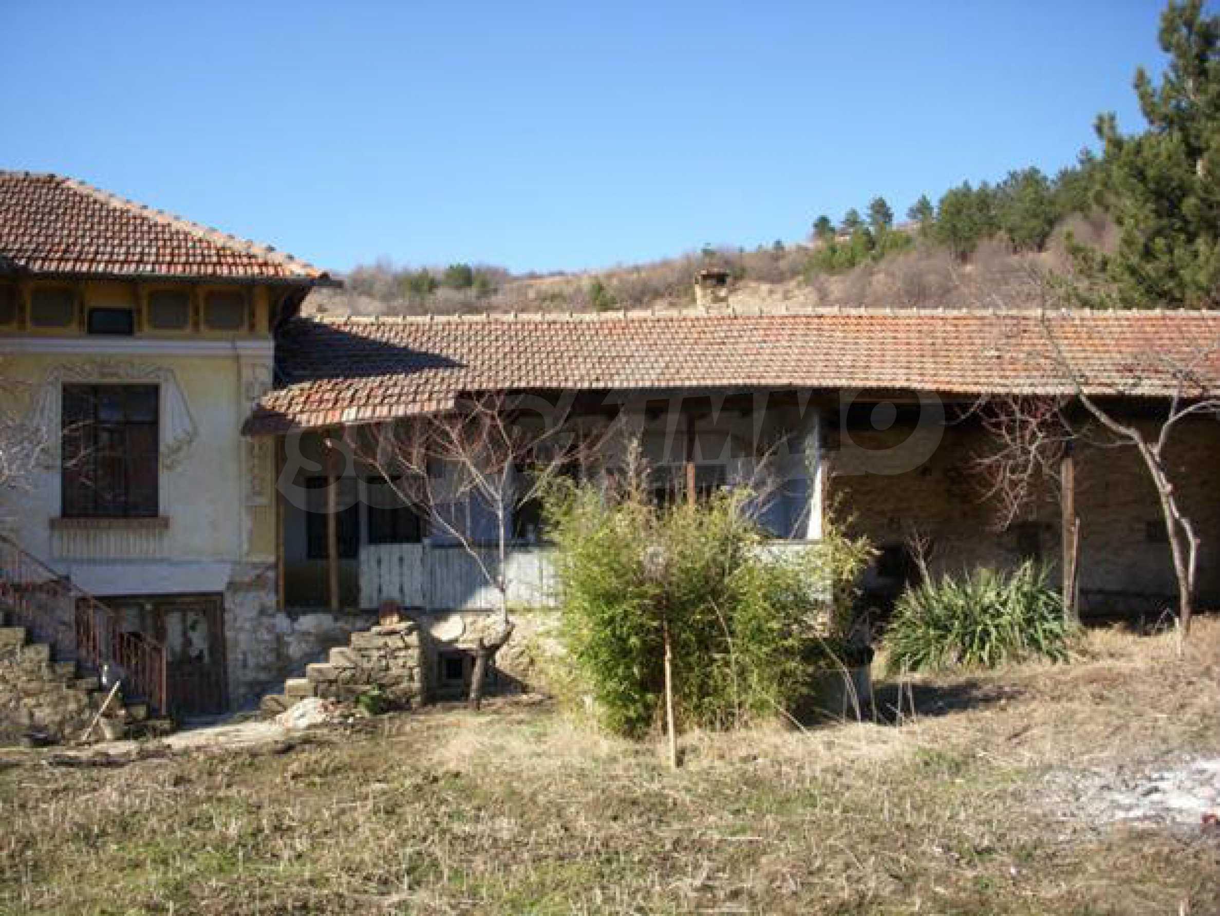 Geräumiges Haus mit einem ehemaligen Weinkeller zur Renovierung in der Nähe der Stadt Pavlikeni 2
