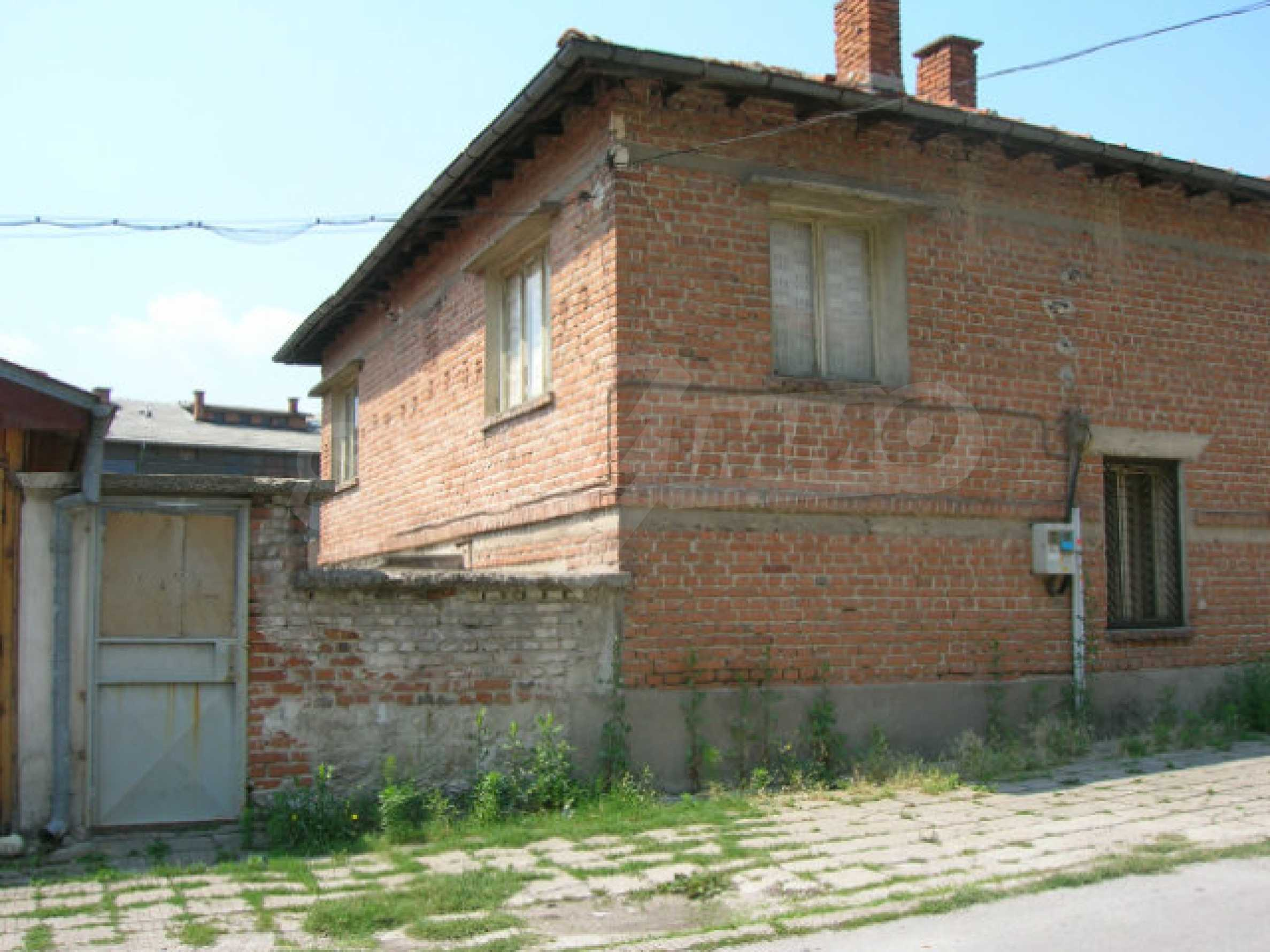 Spacious house with garden for sale in Haskovo 23