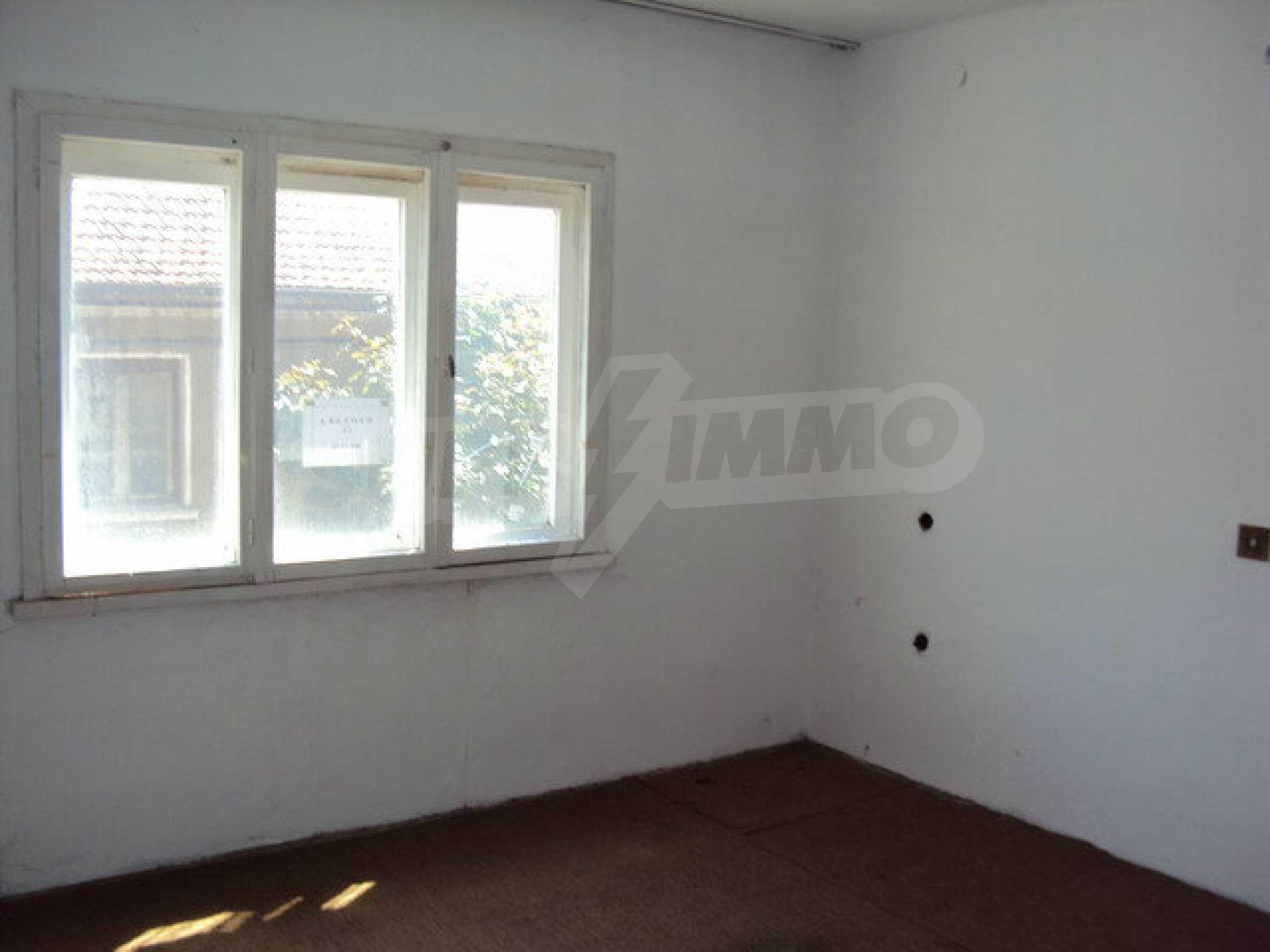 Spacious house with a yard, garage and additional building Dryanovo 11