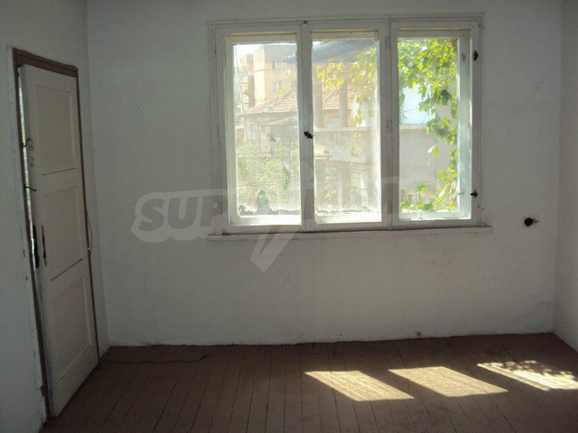 Spacious house with a yard, garage and additional building Dryanovo 14