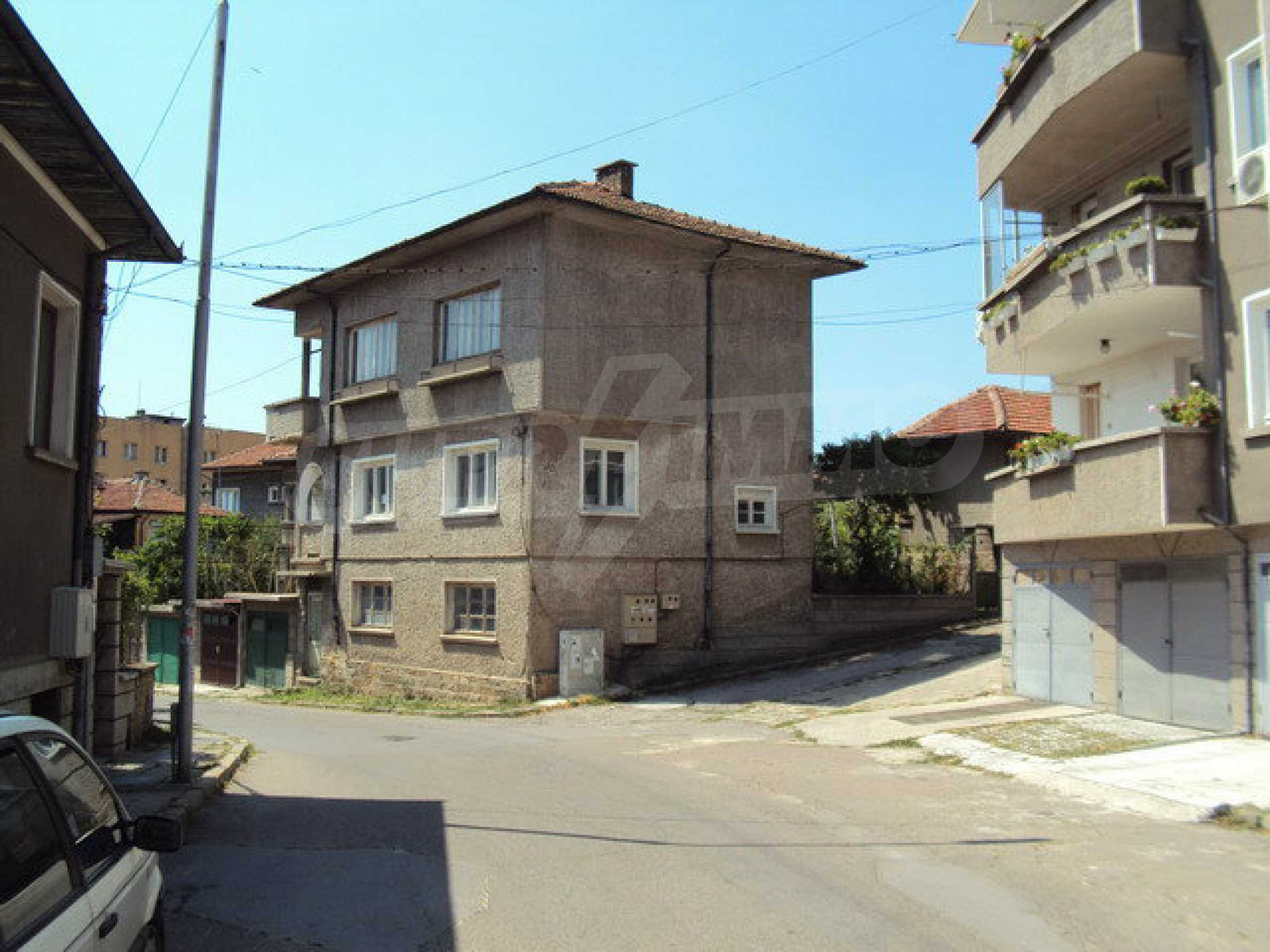 Spacious house with a yard, garage and additional building Dryanovo 3