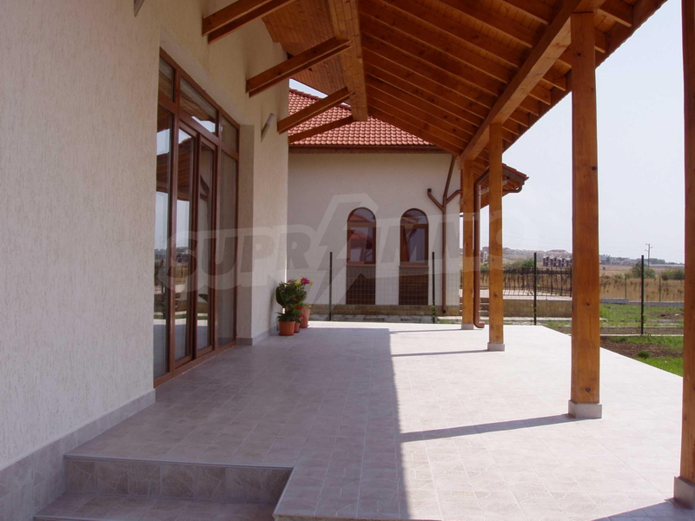Einstöckige Villa in Kosharitsa 2