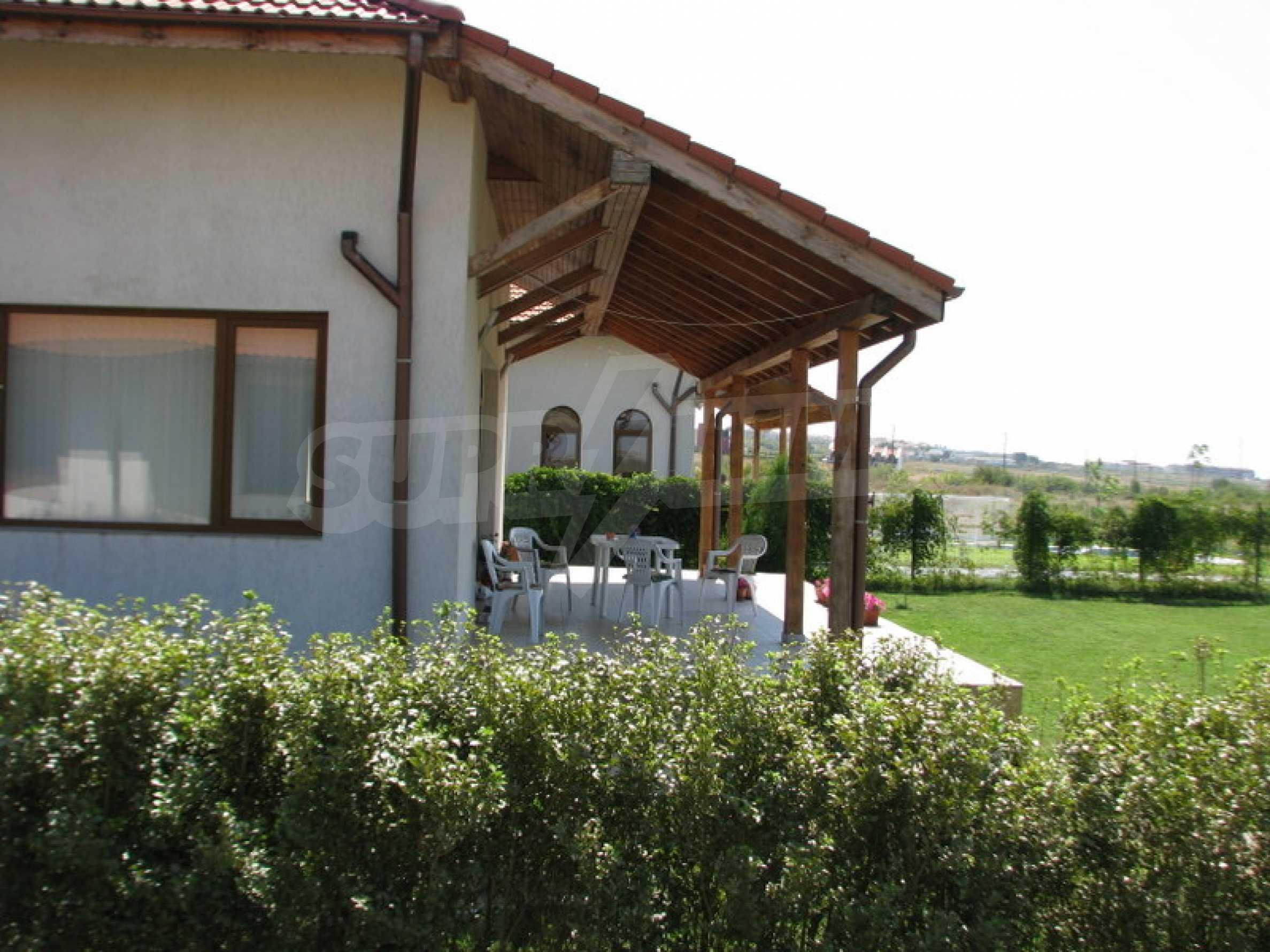 Zweistöckige Villa in Kosharitsa 4