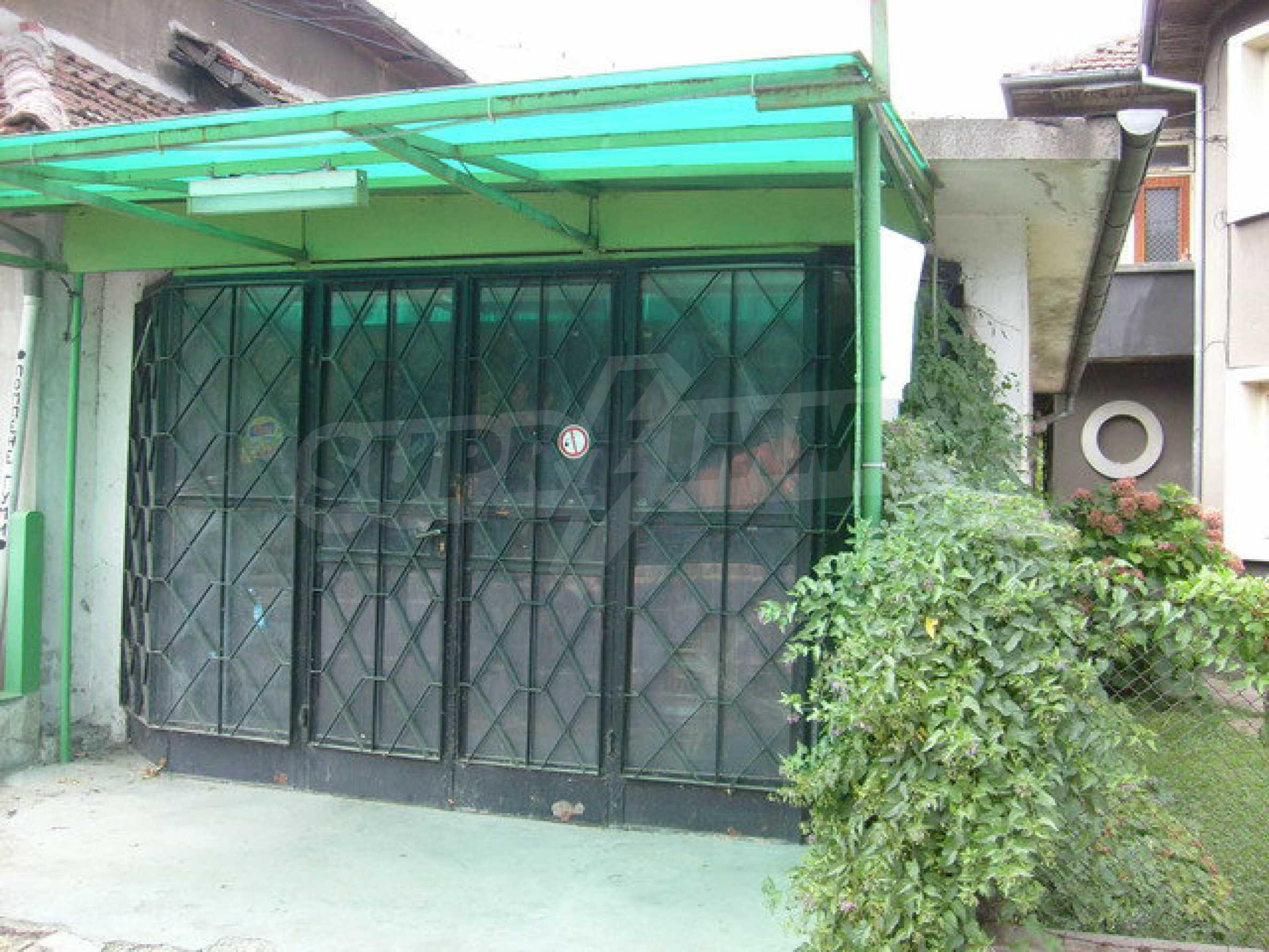 Zweigeschossiges Stadthaus, geeignet für zwei Familien in Gabrovo 6