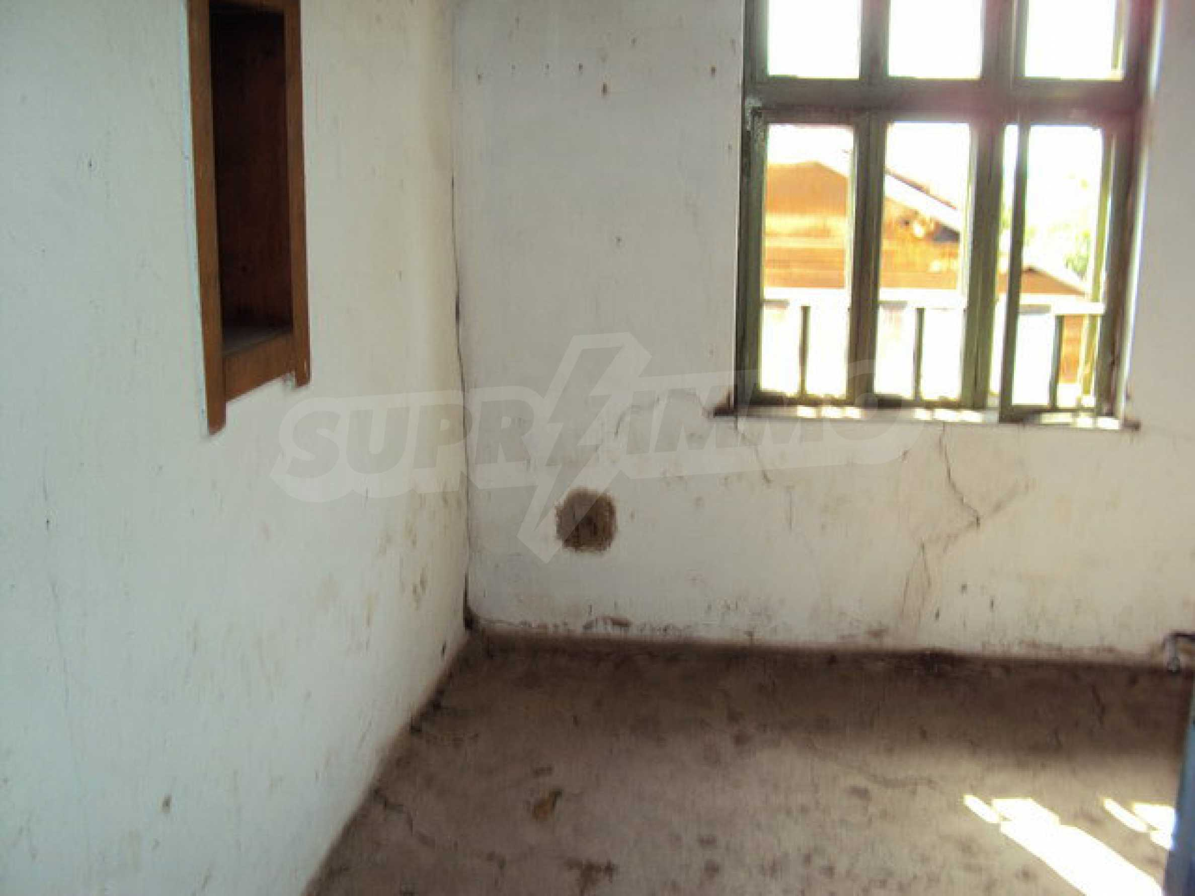One-storey house in a well developed village 14 km. Veliko Tarnovo 3