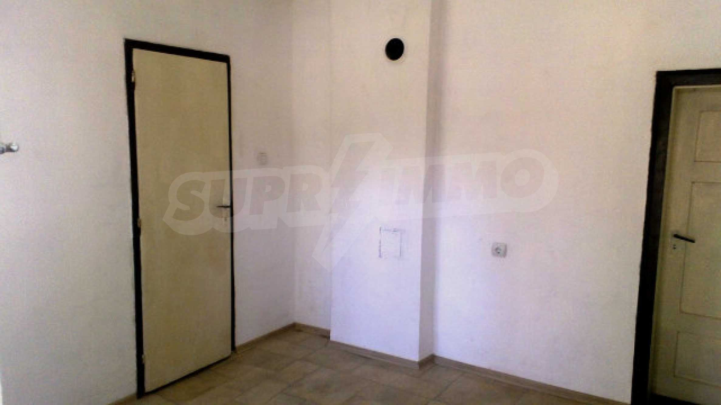 Solid house with a kitchen set 40 km from Vidin 9