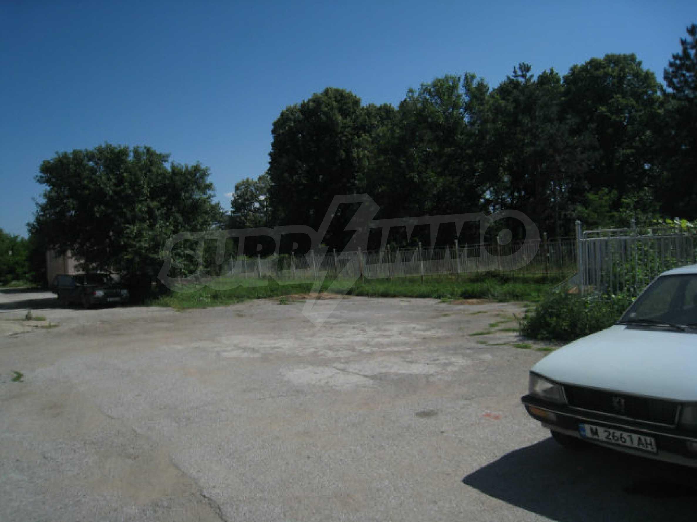 Produktionsgebäude mit Dienstleistungs- und Verwaltungsgebäude in der Nähe von Monatan 22