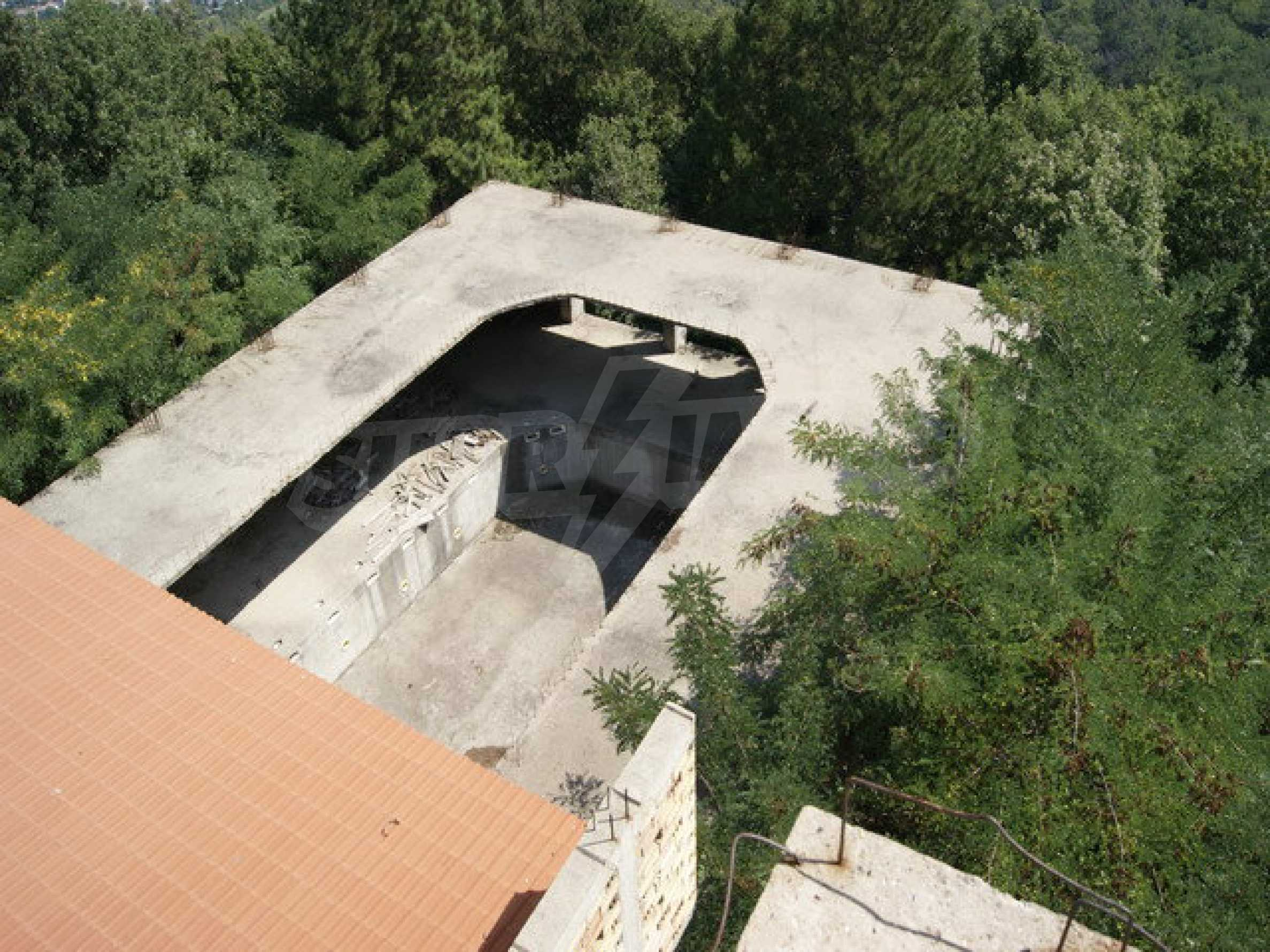 Hotel at shell stage with beautiful views near Veliko Tarnovo 15
