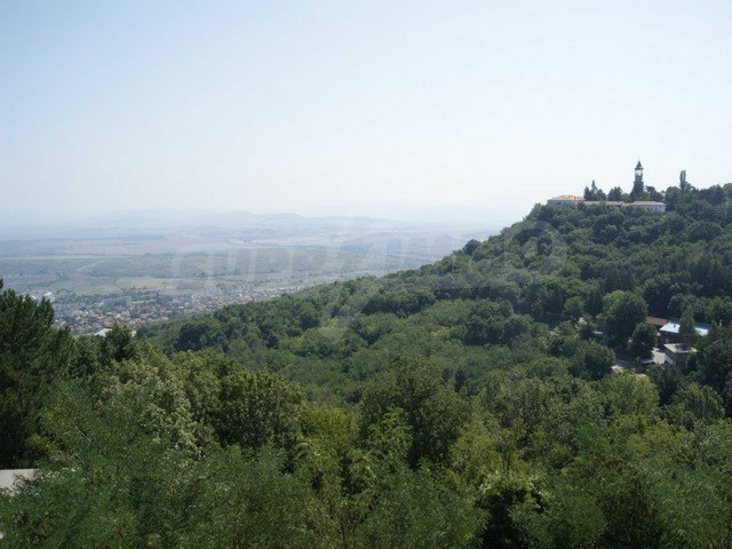 Hotel at shell stage with beautiful views near Veliko Tarnovo 30