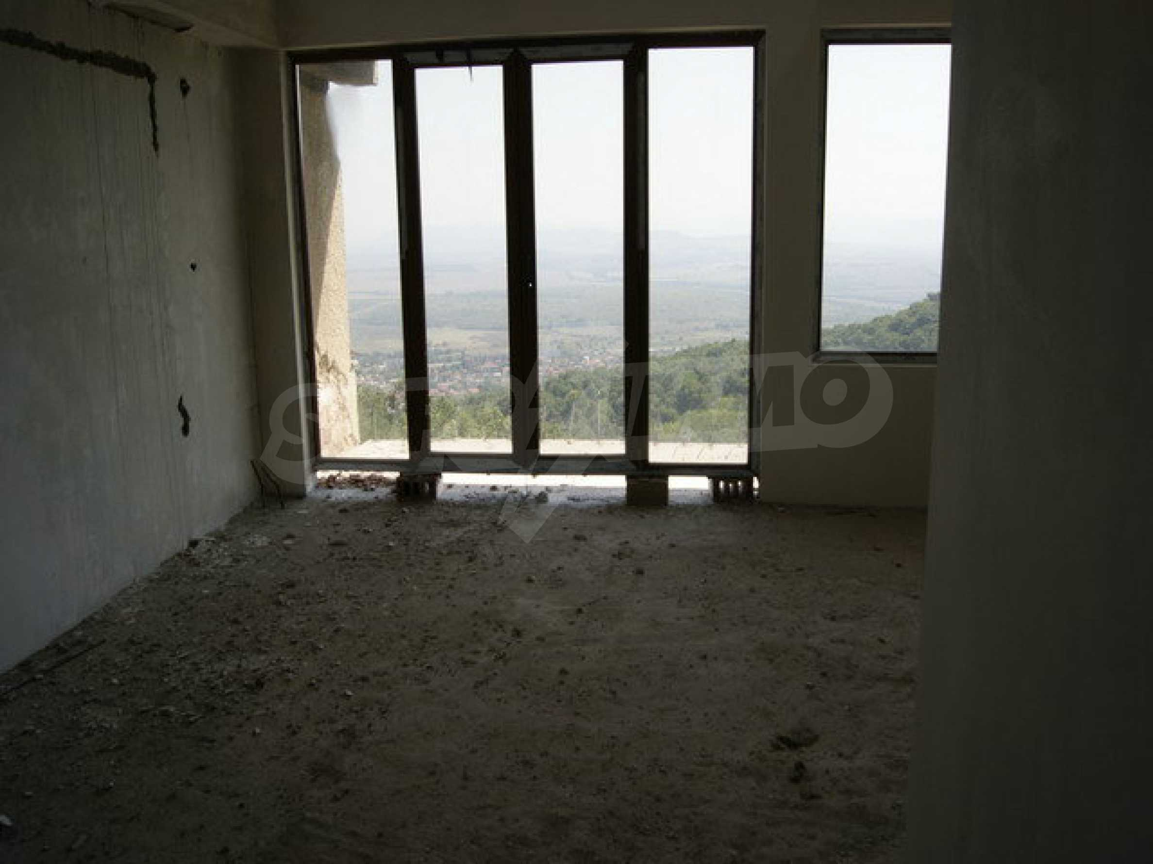 Hotel at shell stage with beautiful views near Veliko Tarnovo 32
