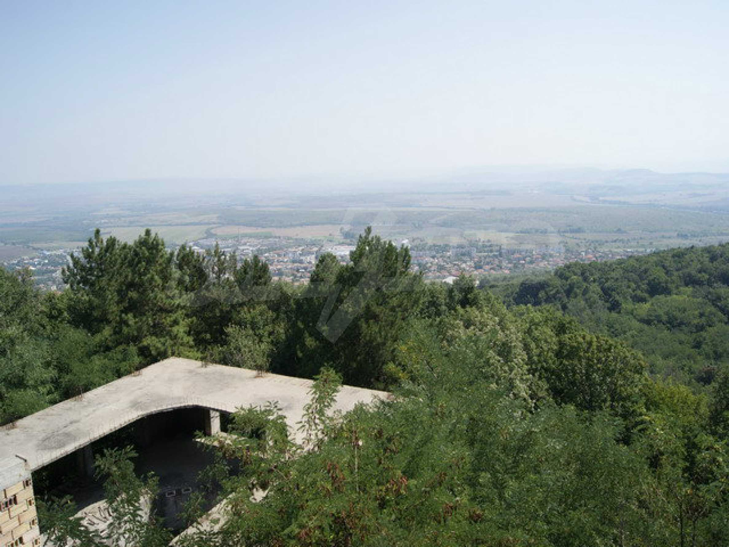 Hotel at shell stage with beautiful views near Veliko Tarnovo 34